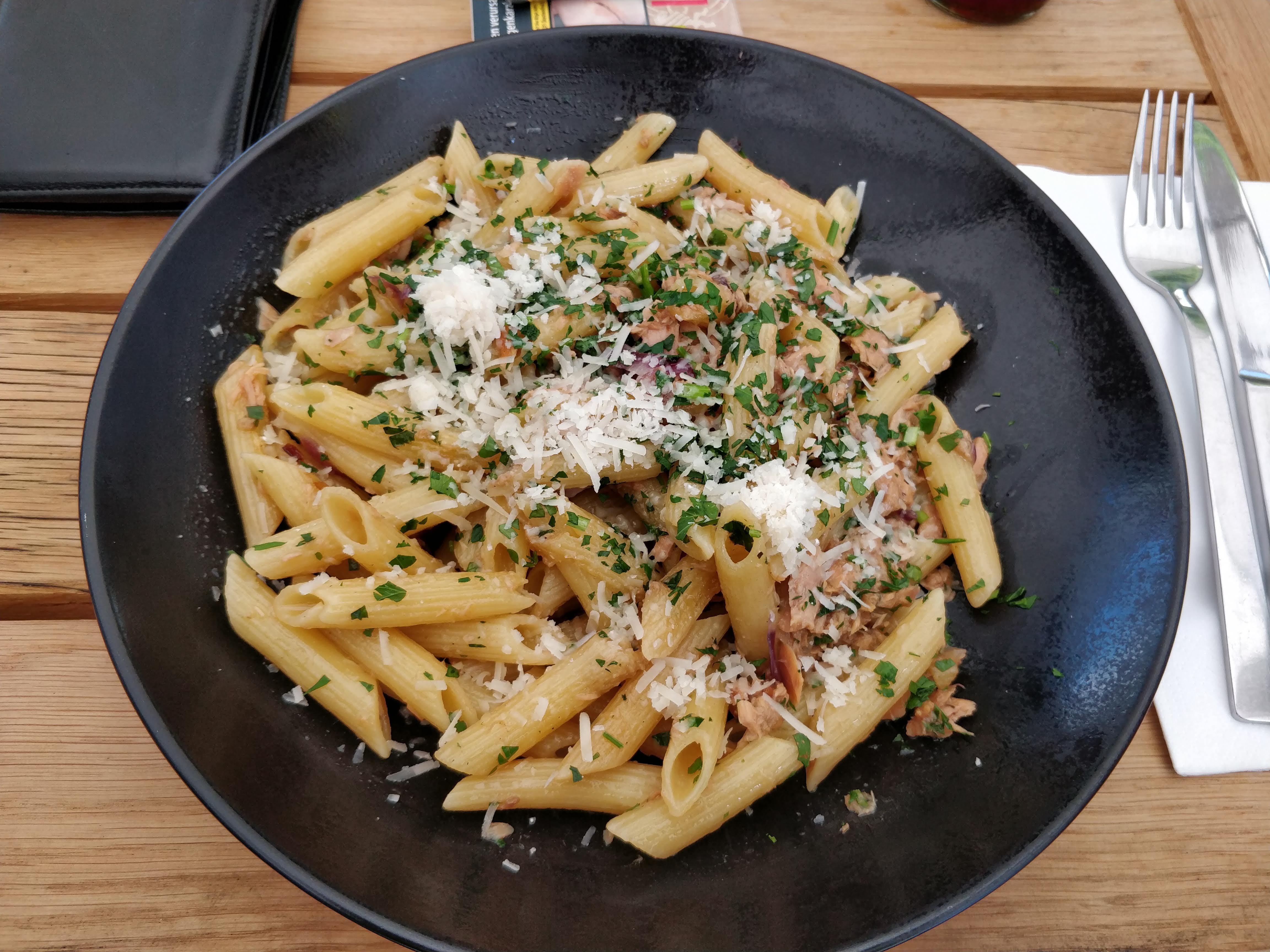 https://foodloader.net/nico_2018-08-21_penne-mit-thunfisch-sauce.jpg