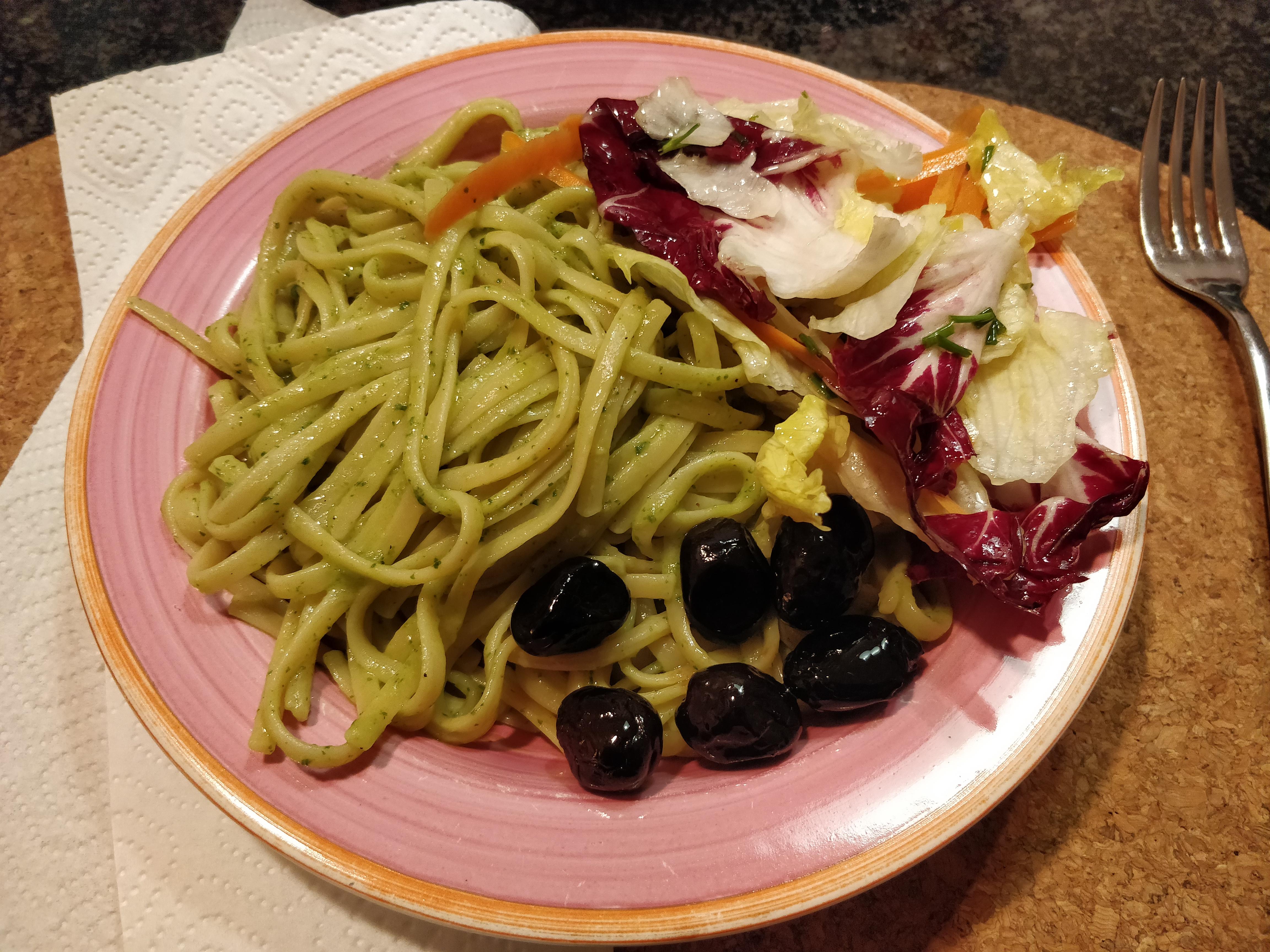 https://foodloader.net/nico_2018-10-20_linguine-mit-avocado-pesto.jpg