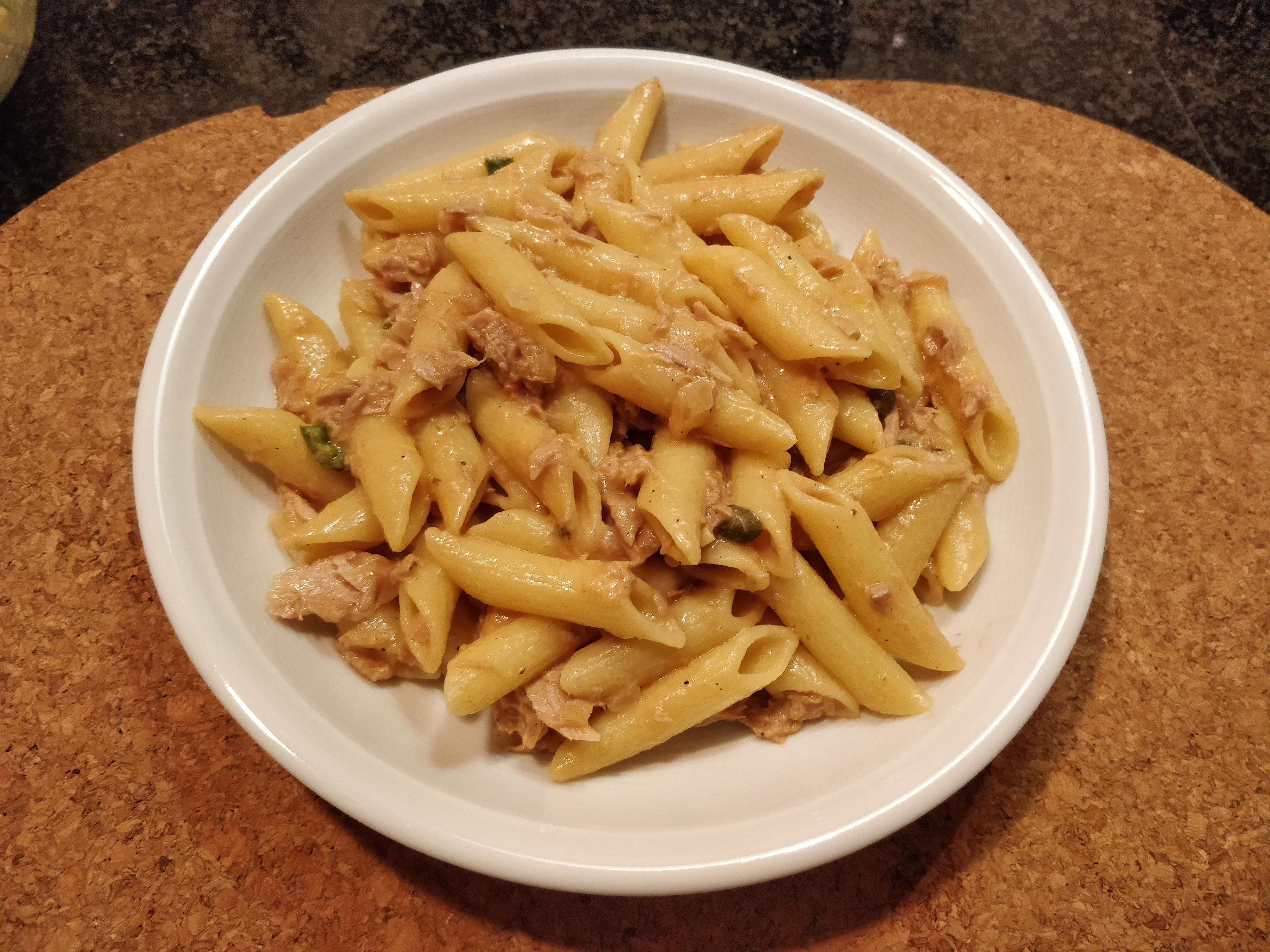 https://foodloader.net/nico_2018-10-22_penne-mit-thunfisch-sahne-sauce.jpg
