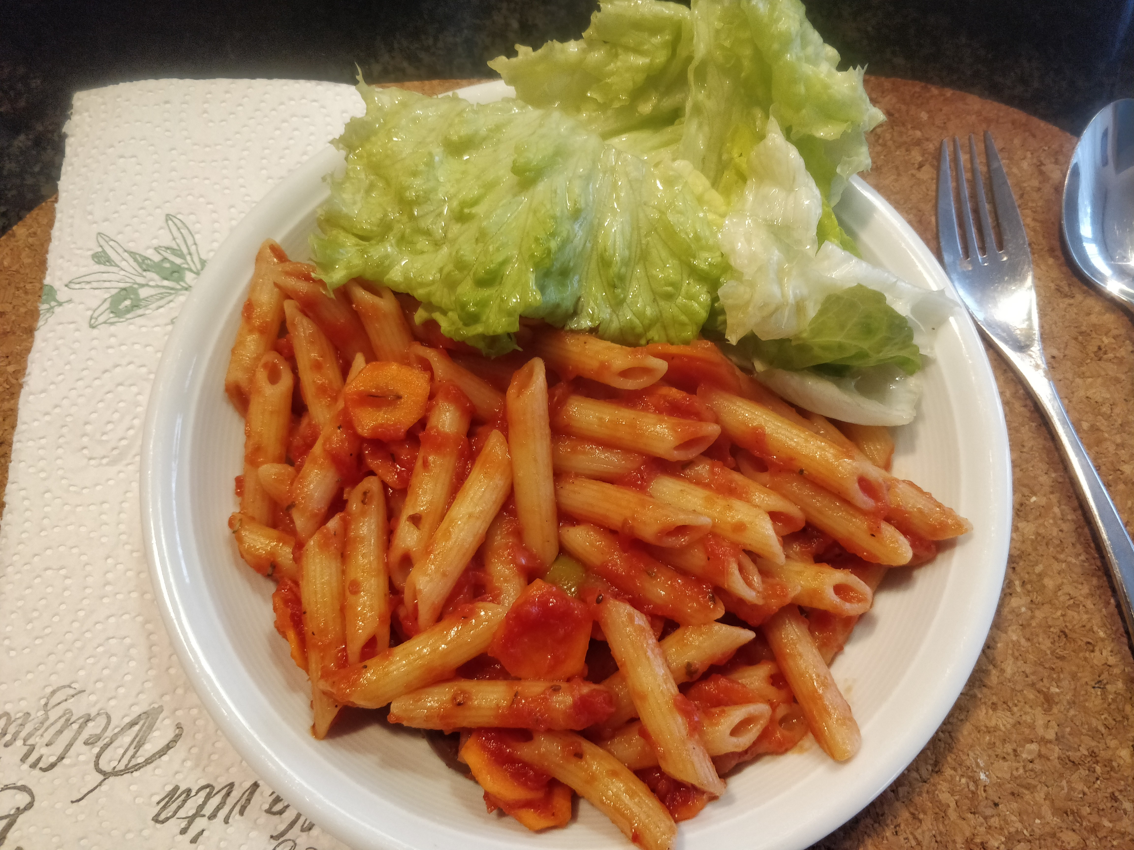 nico • 2018-12-15 • penne-mit-tomatensauce