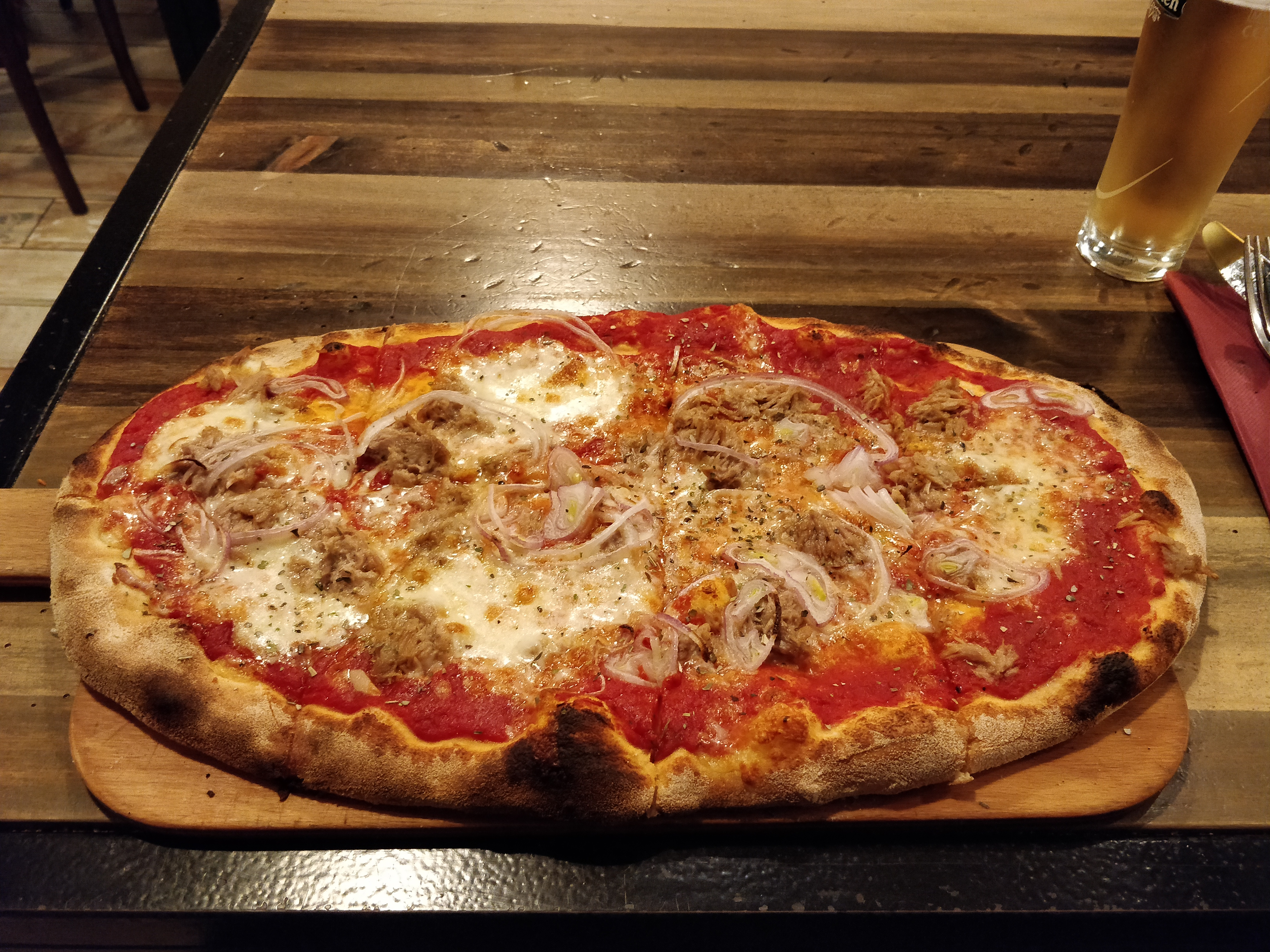 https://foodloader.net/nico_2019-01-02_pizza-thunfisch-zwiebel.jpg