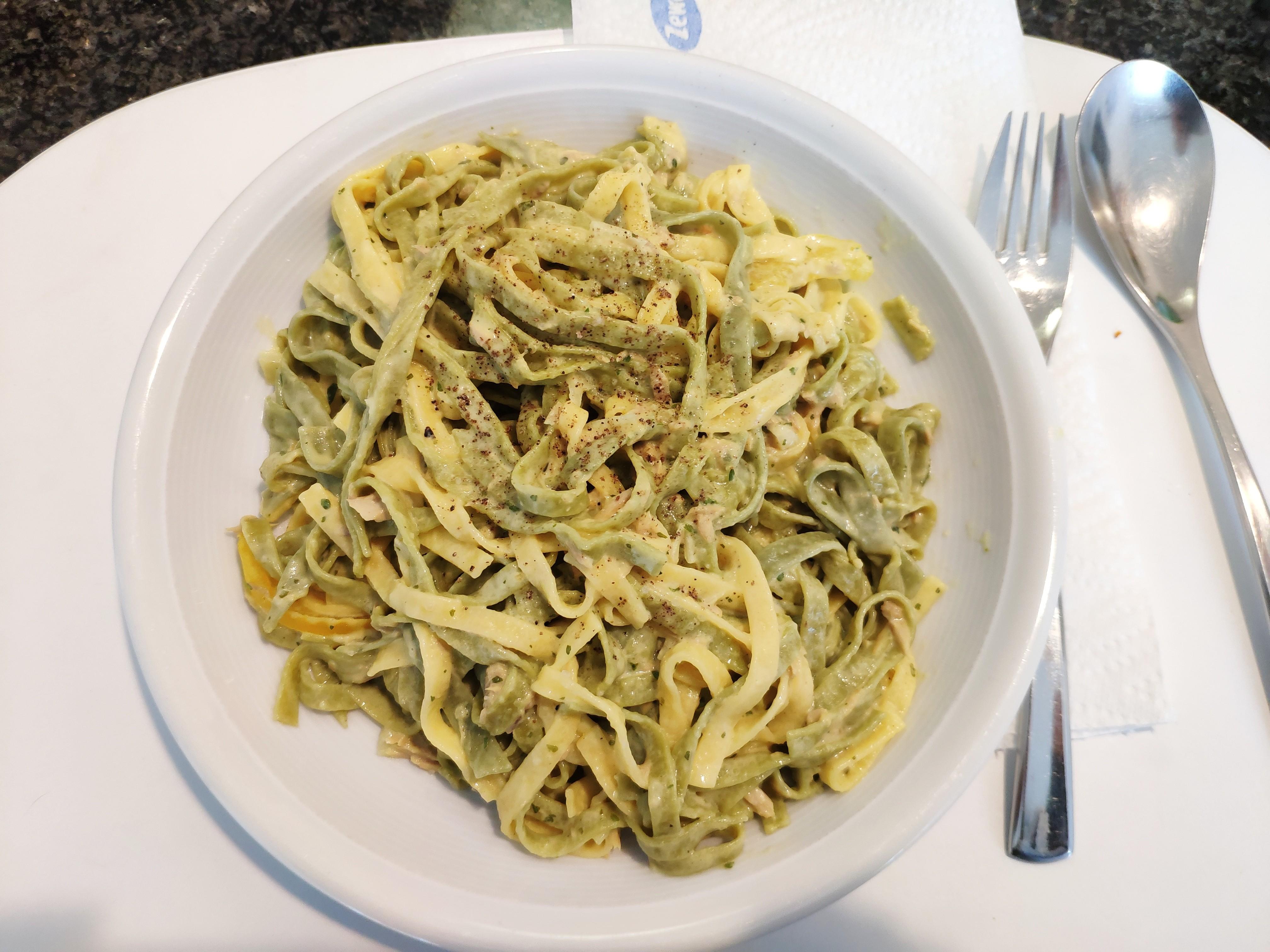 https://foodloader.net/nico_2020-05-11_tagliatelle-mit-thunfisch-sauce.jpg