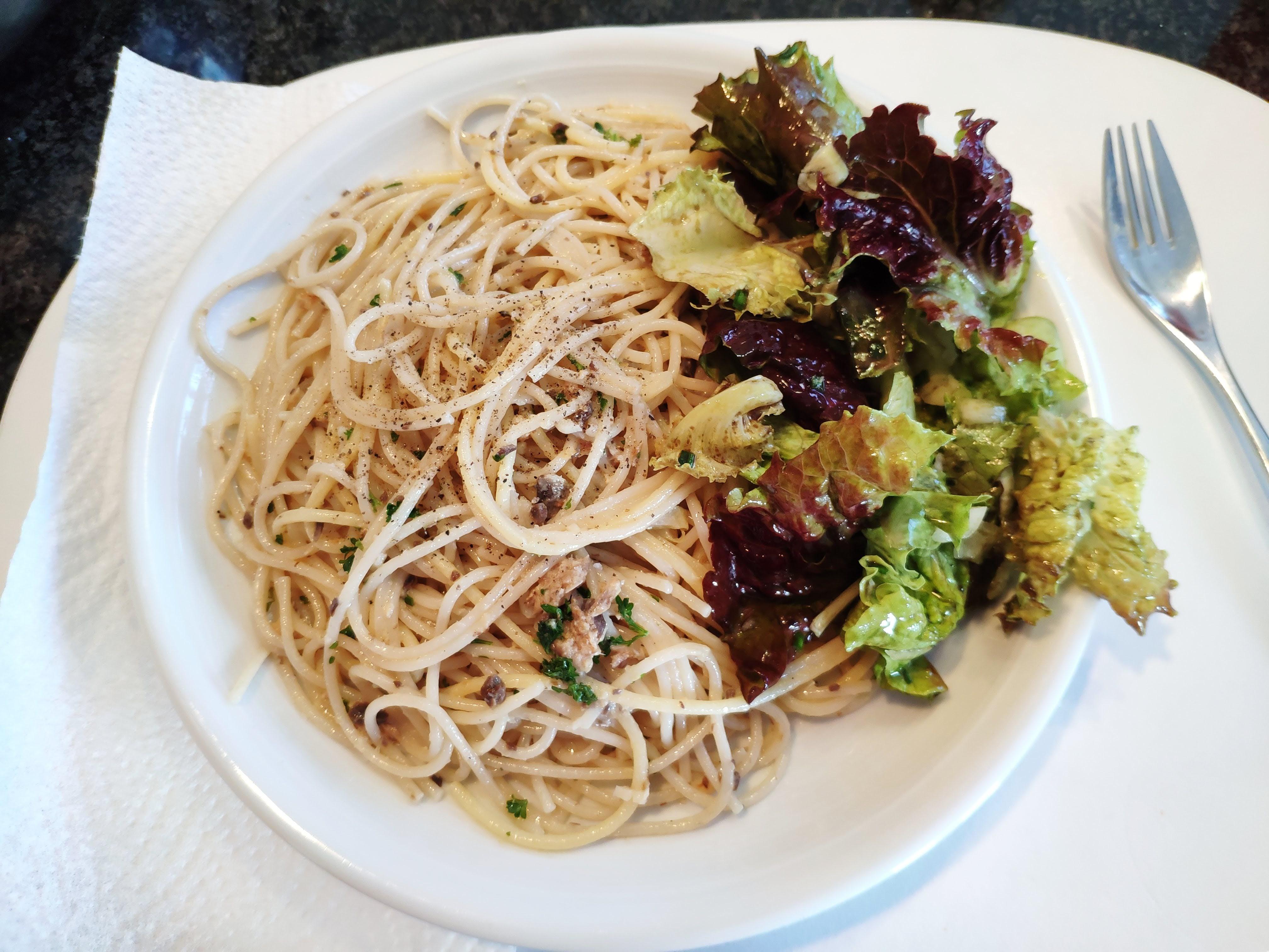 https://foodloader.net/nico_2020-05-27_spaghetti-mit-sardinen-sauce.jpg