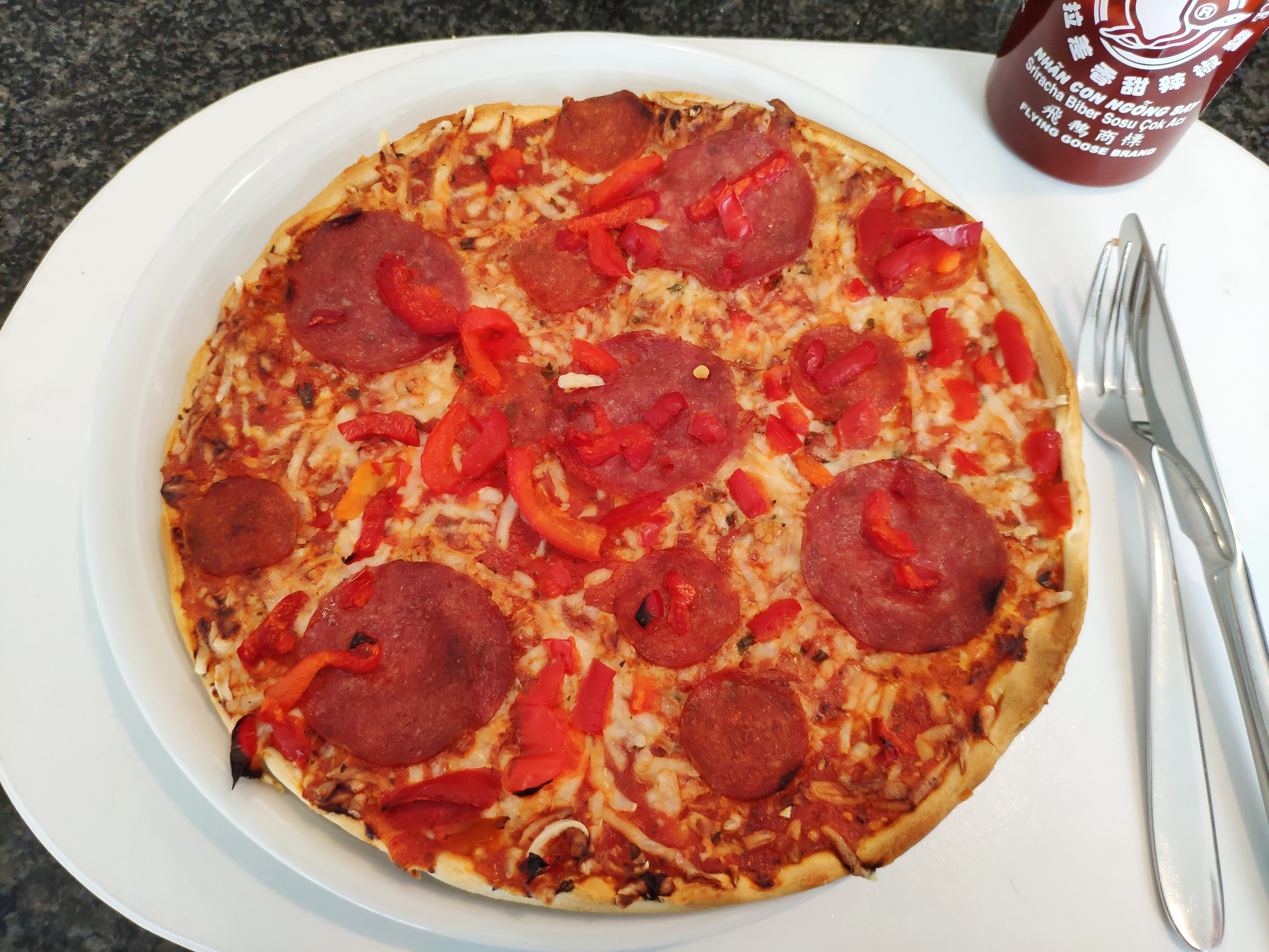 https://foodloader.net/nico_2020-06-04_pizza.jpg