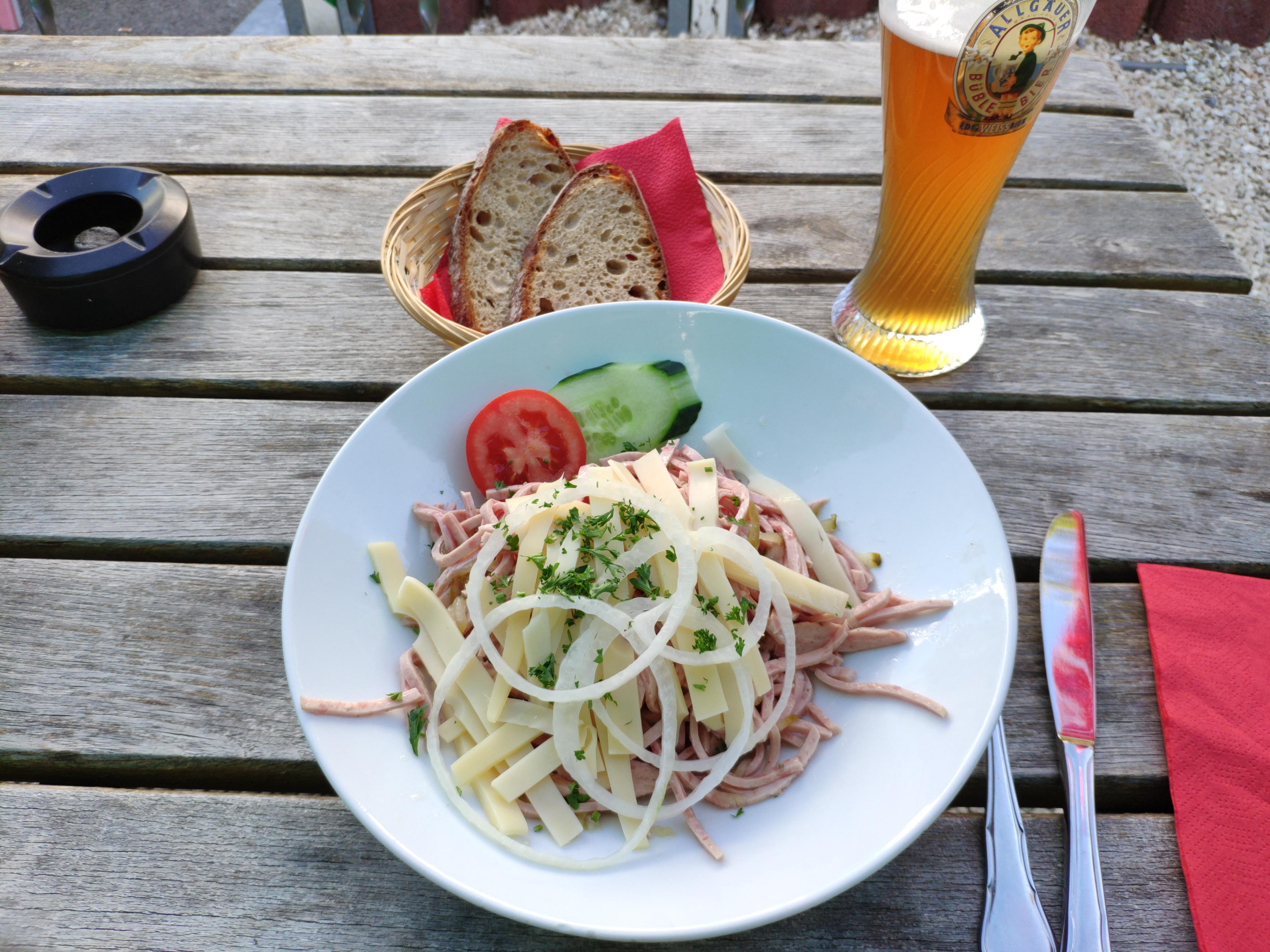 https://foodloader.net/nico_2020-07-29_wurstsalat.jpg