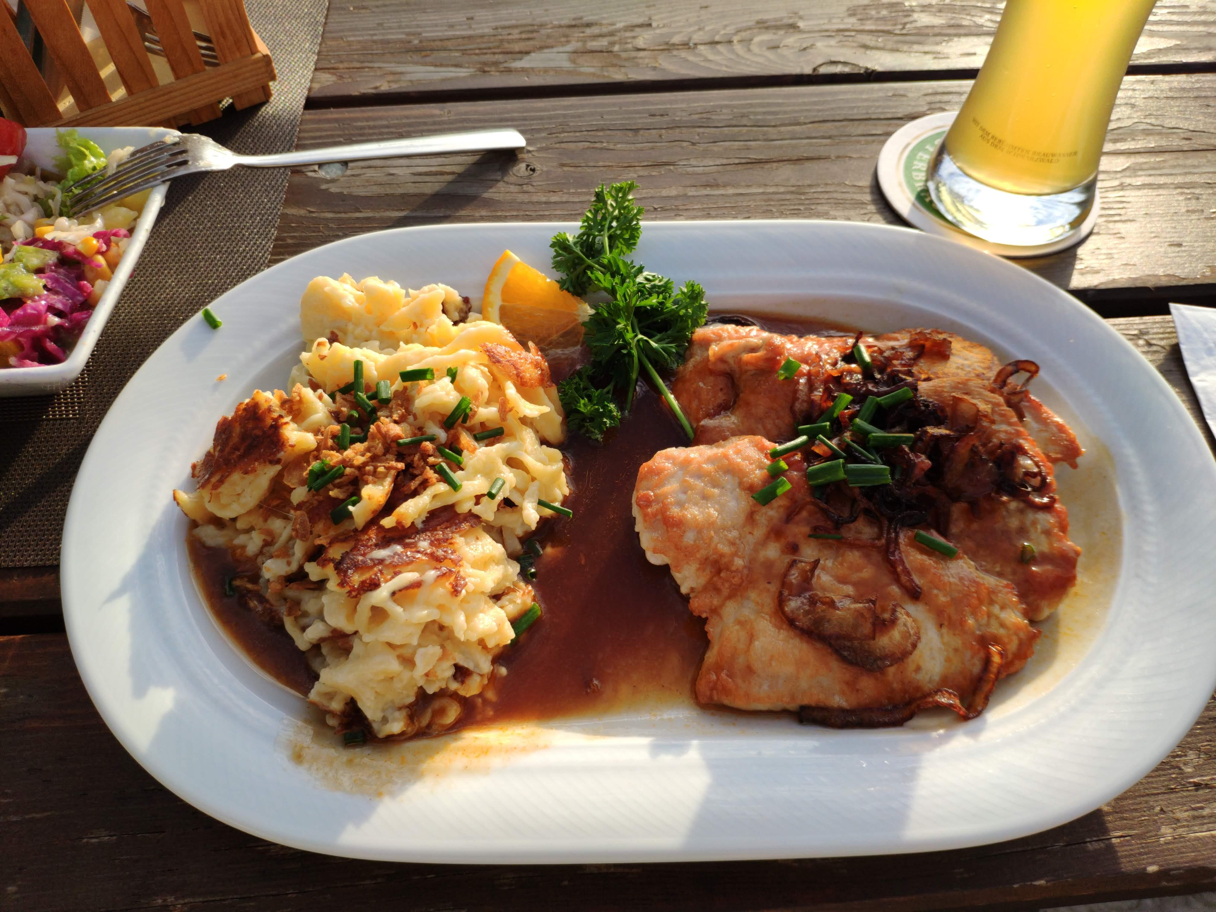 https://foodloader.net/nico_2020-09-04_putenschnitzel-mit-kaesespaetzle.jpg
