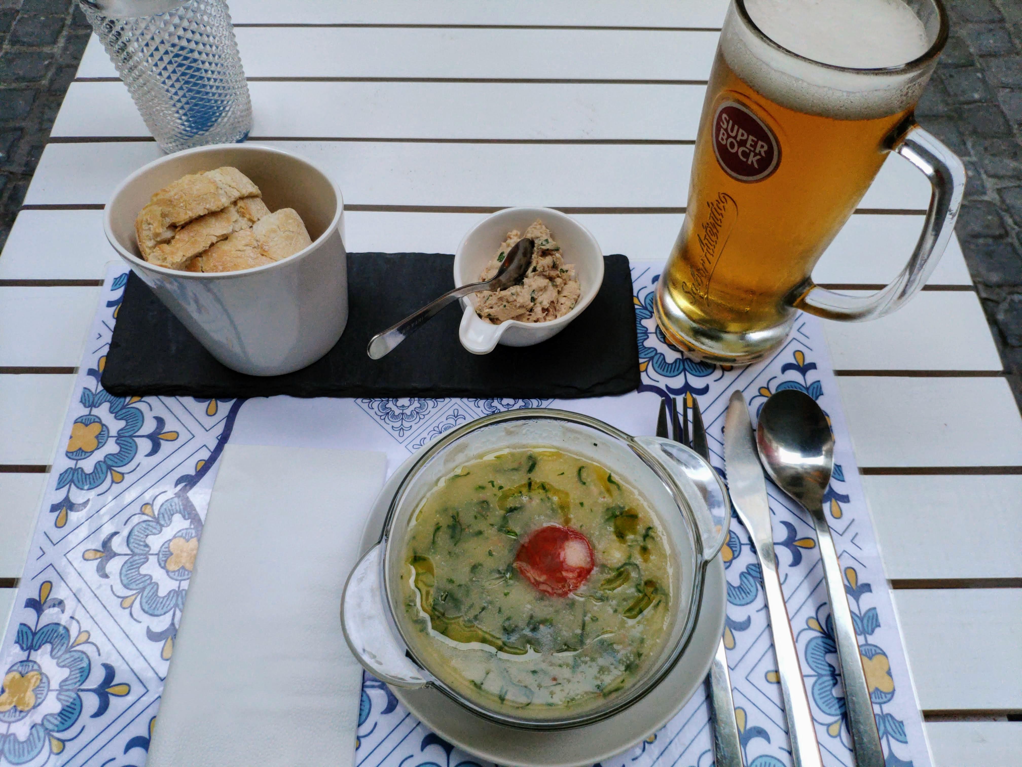 https://foodloader.net/nico_2020-09-11_caldo-verde.jpg