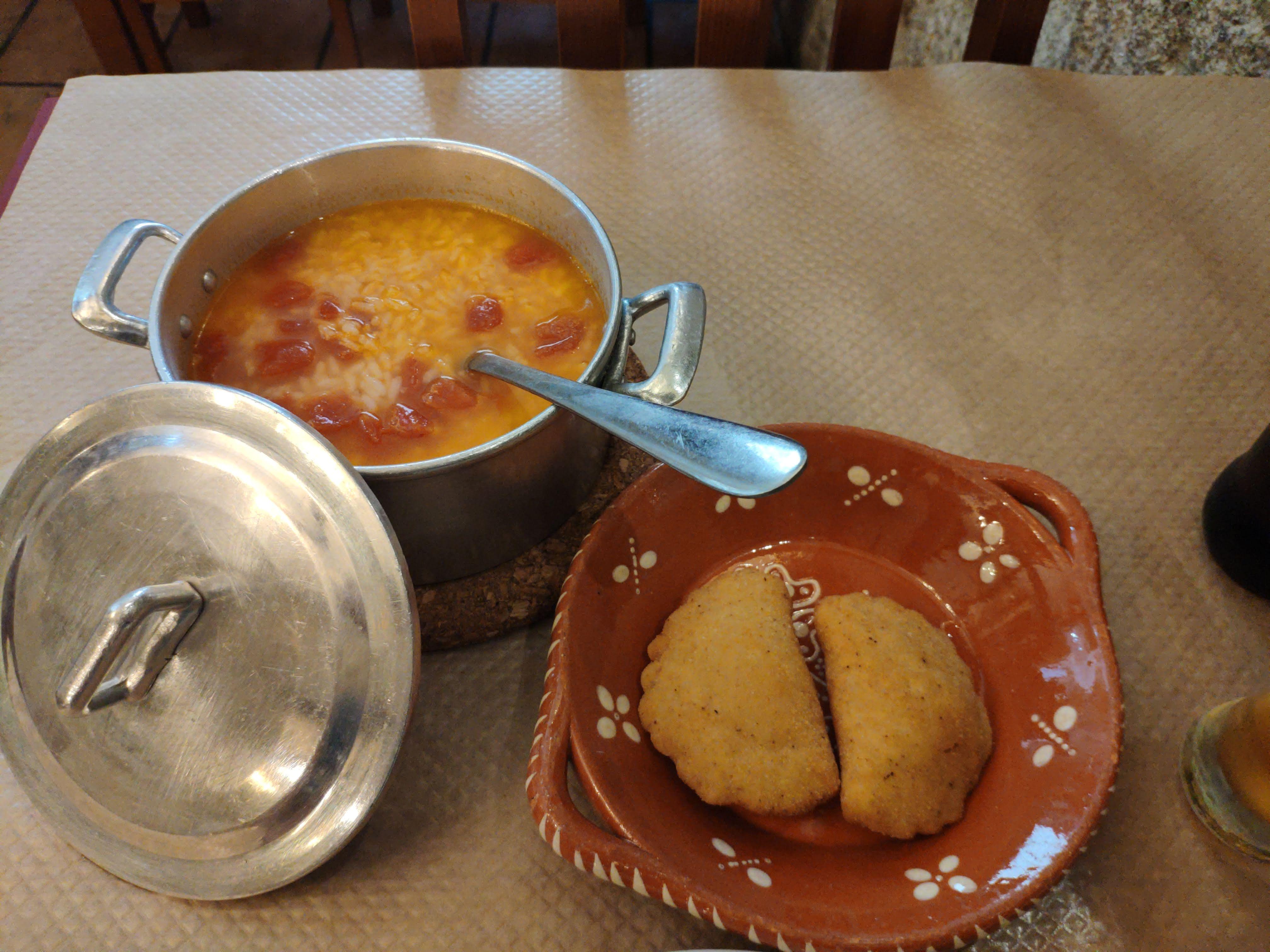 https://foodloader.net/nico_2020-09-29_rissois-mit-tomatenreis.jpg