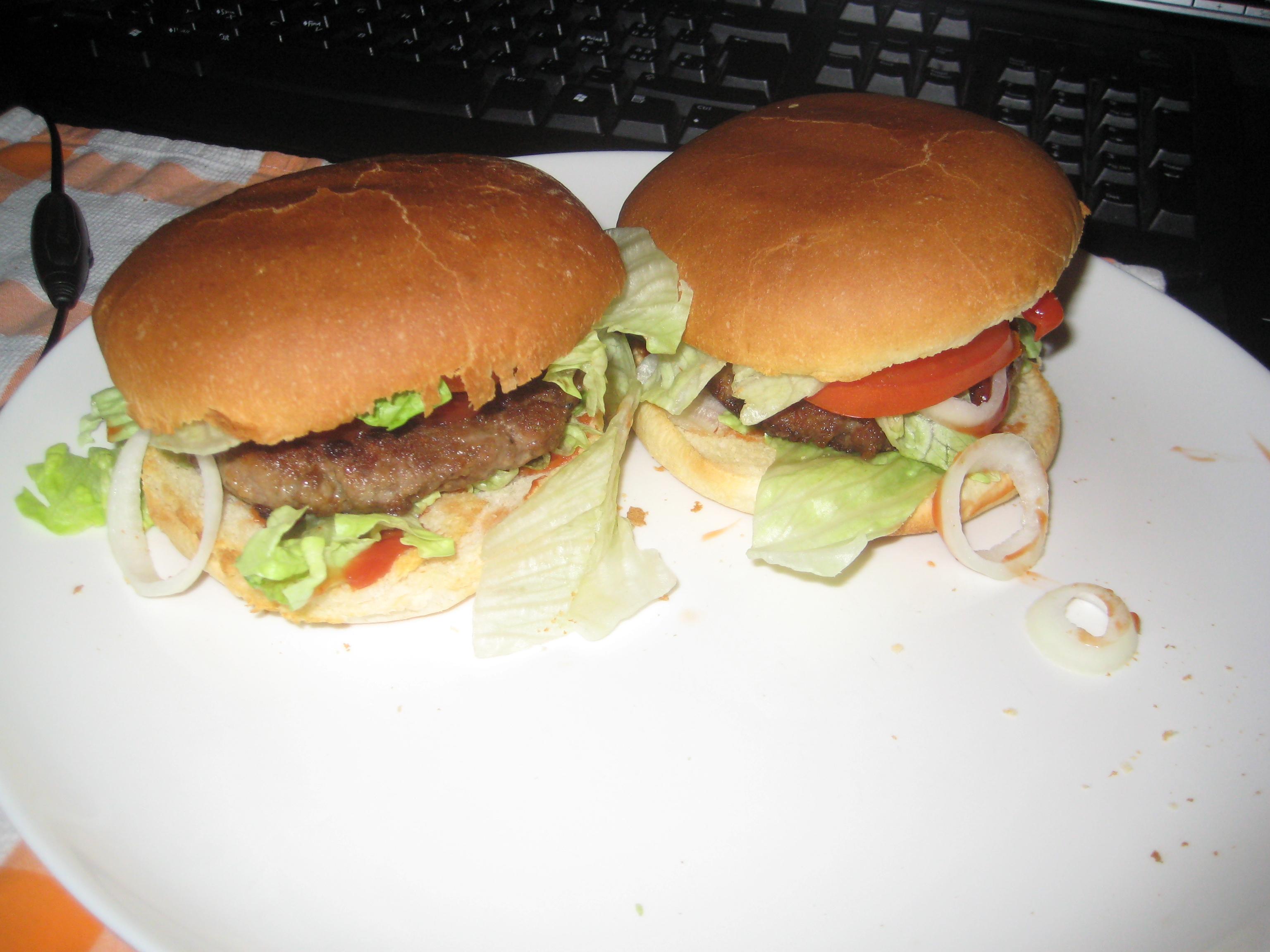 https://foodloader.net/s1mon_2009-01-07_hamburger.jpg
