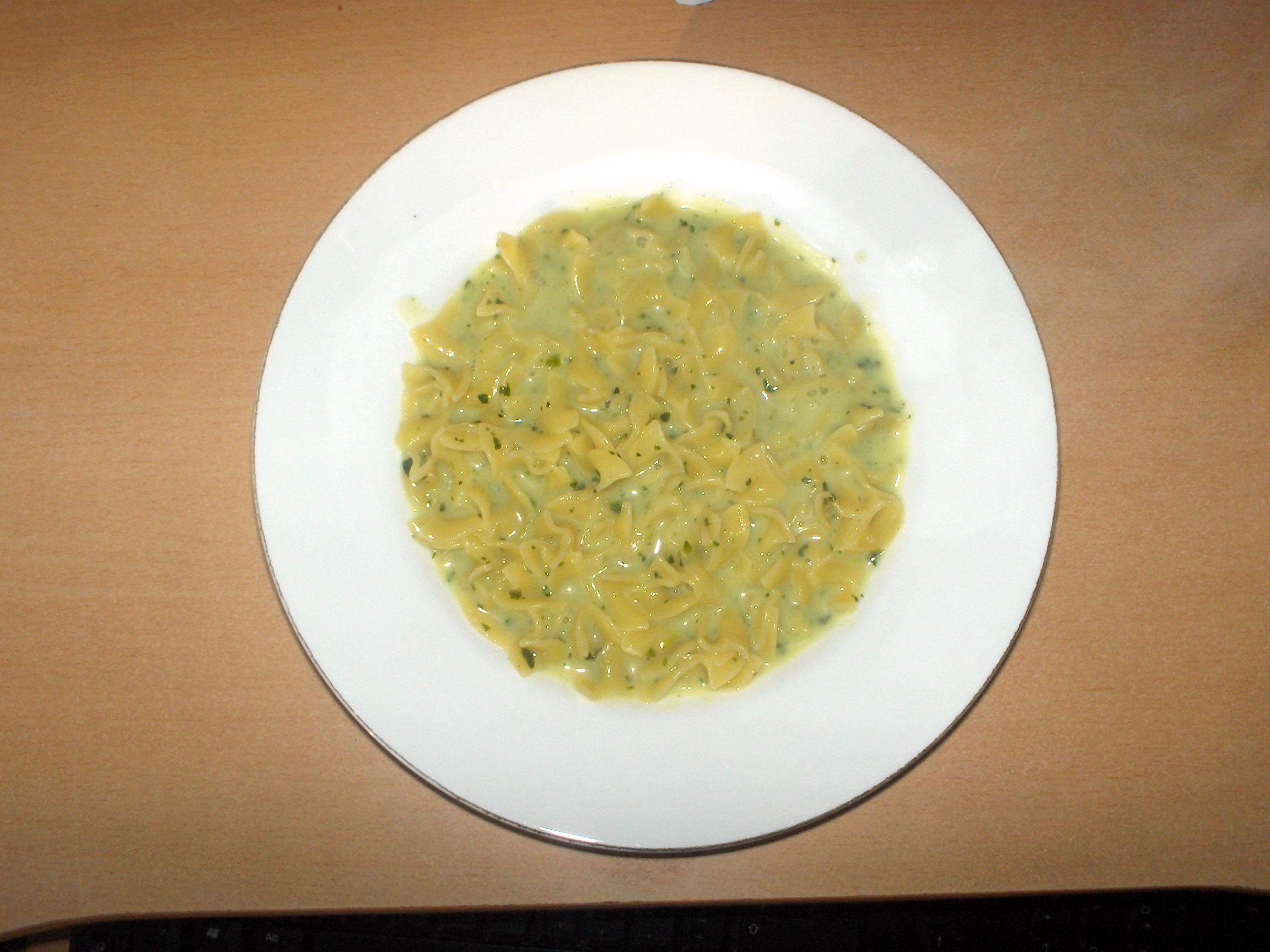 http://foodloader.net/s3Rax_2008-01-27_Pasta_mit_Creme_fraiche_Spinat.jpg