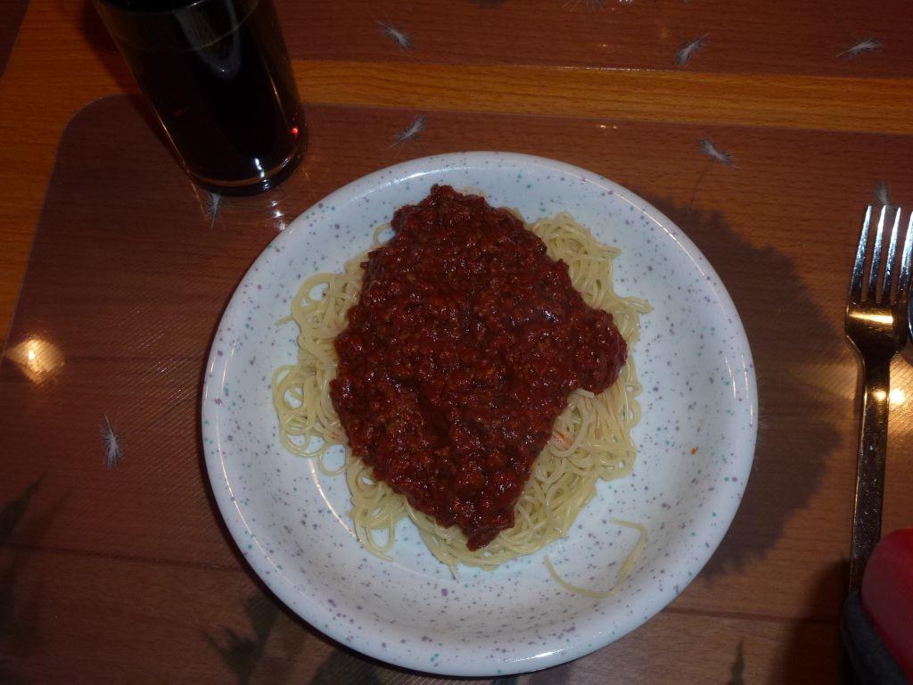 https://foodloader.net/sk0r_2013-03-02_Spaghetti_Bolognese.jpg