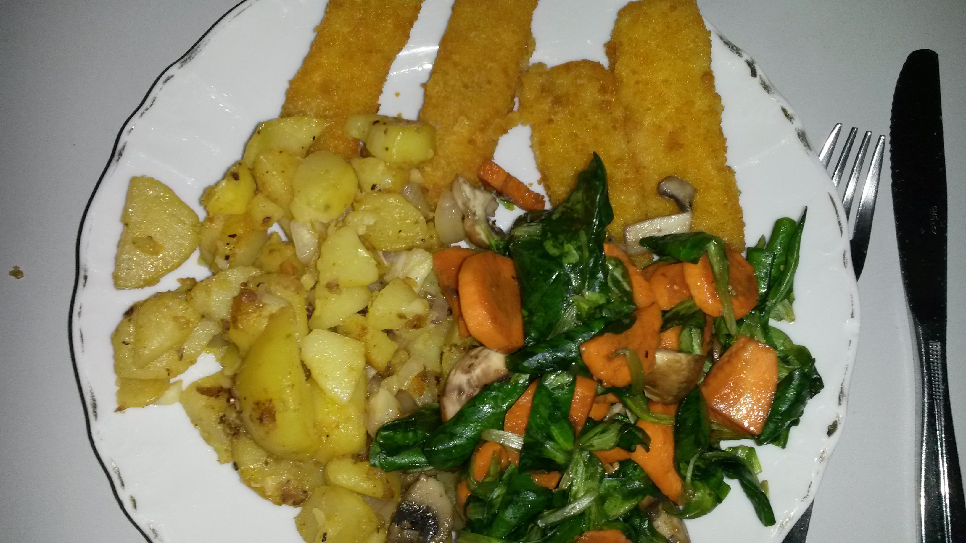 https://foodloader.net/sk0r_2014-01-19_Fischstaebchen_mit_Bratkartoffeln_und_Salat.jpg