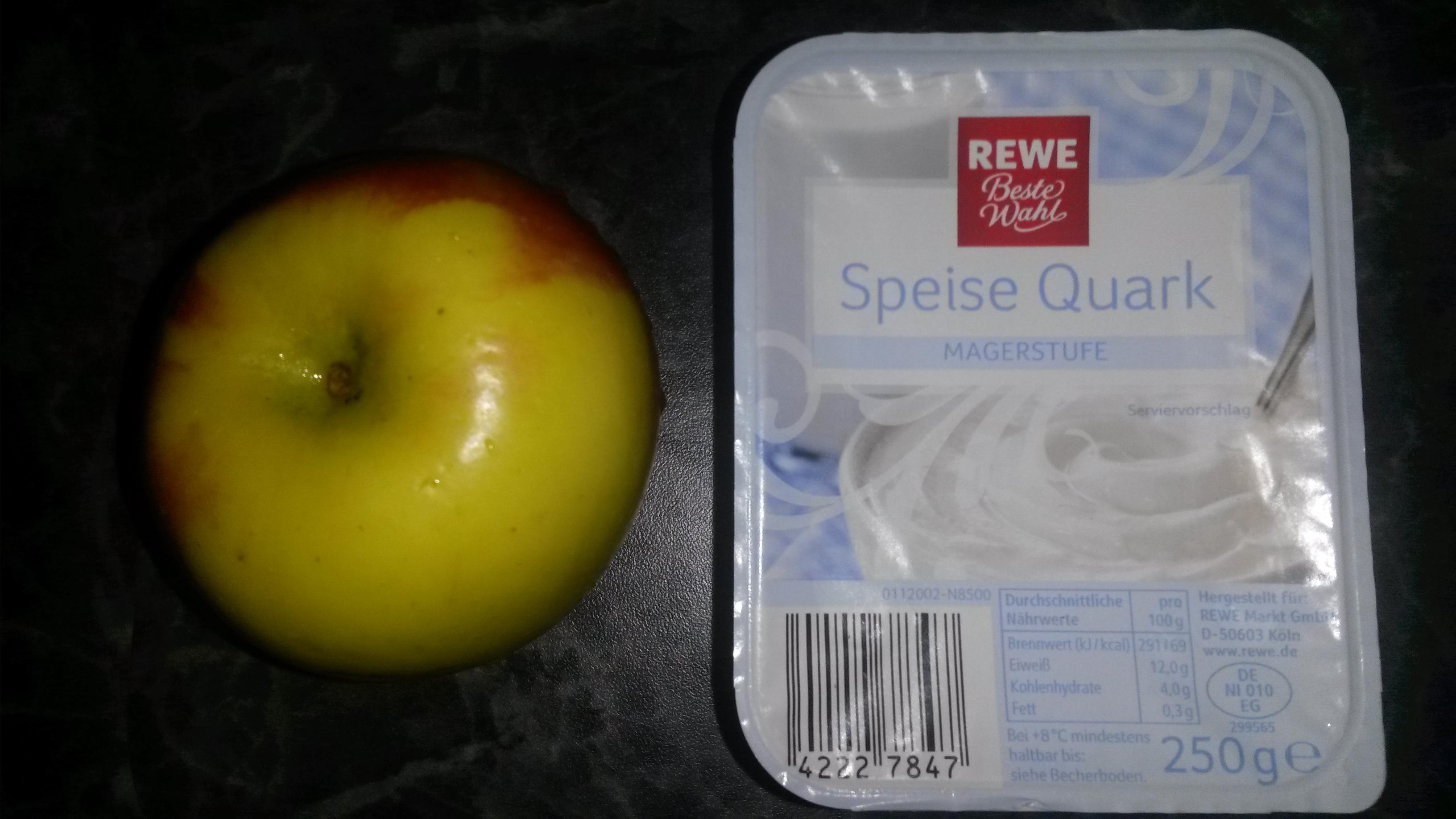 https://foodloader.net/sk0r_2014-01-26_Magerquark_und_Apfel.jpg