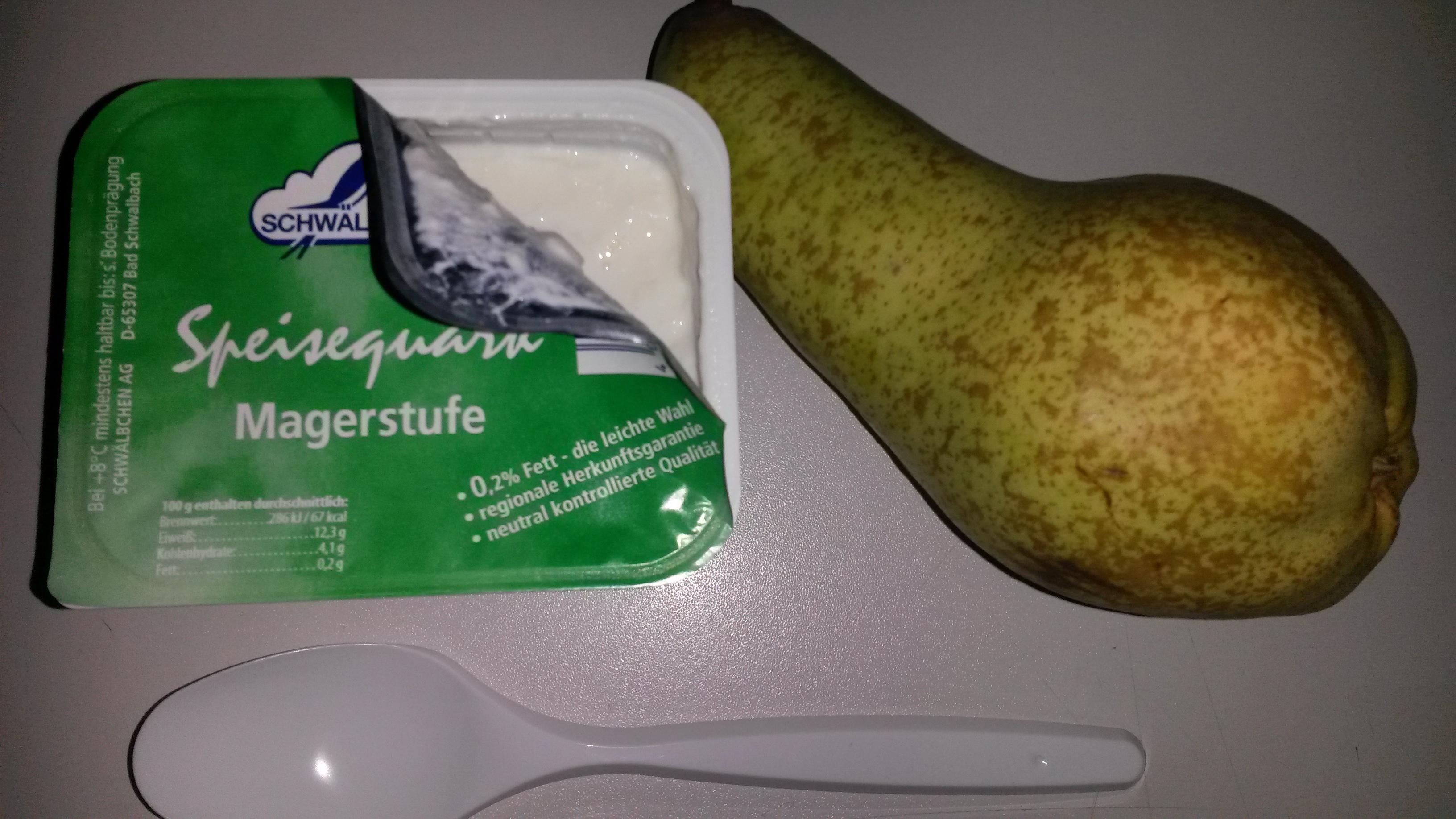https://foodloader.net/sk0r_2014-03-14_Magerquark_und_Birne.jpg
