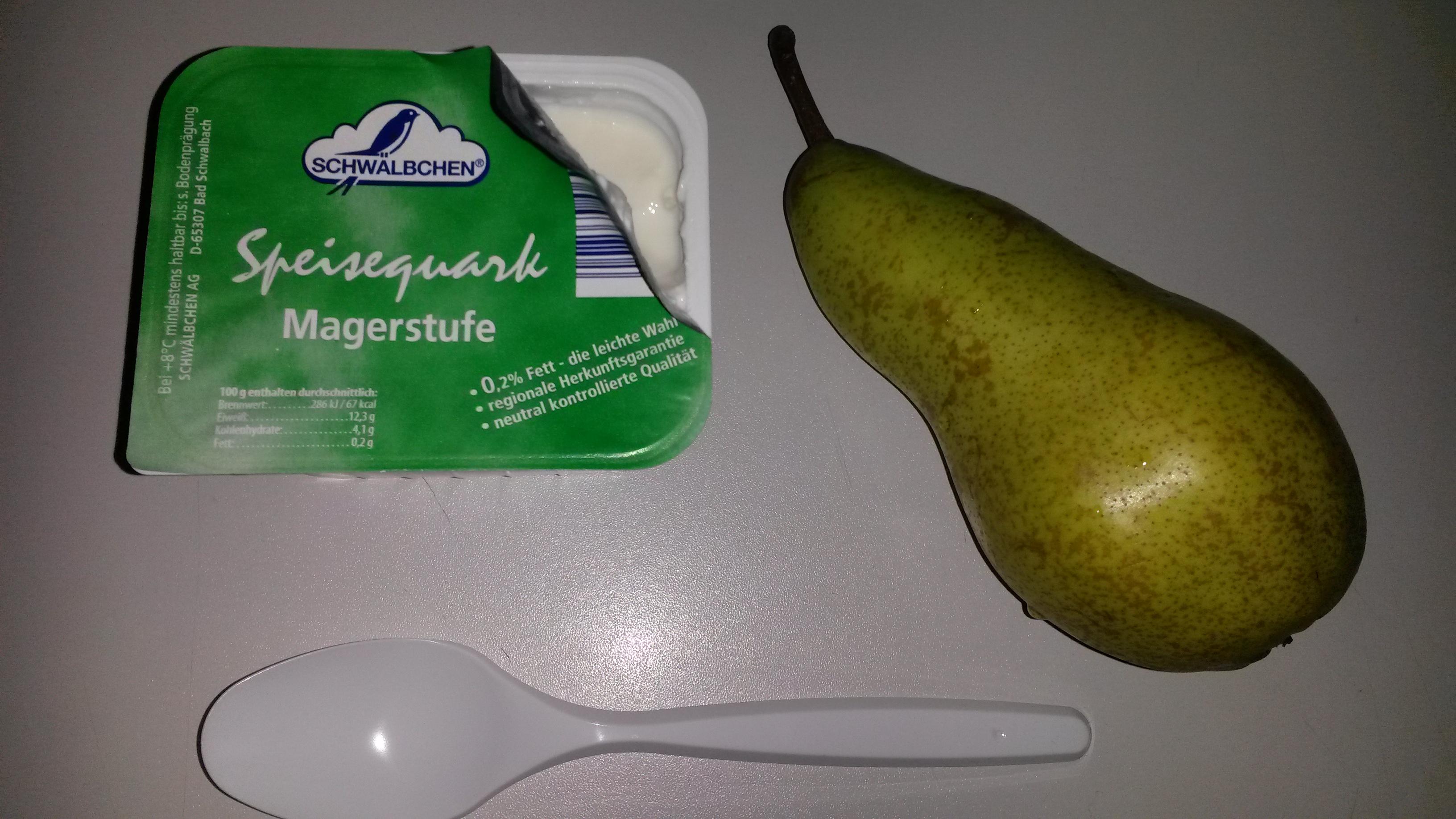 https://foodloader.net/sk0r_2014-03-14_Magerquark_und_Birne_.jpg