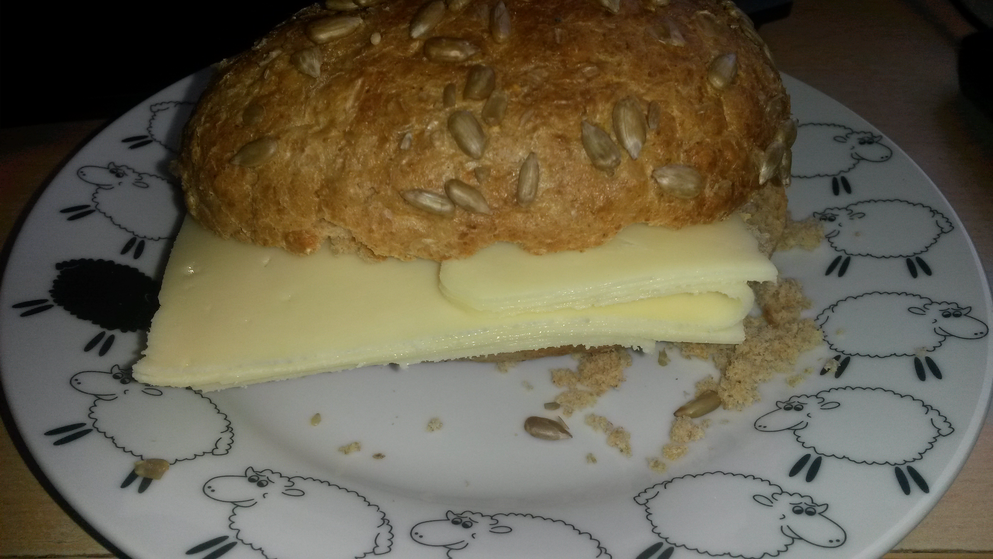 http://foodloader.net/sk0r_2014-04-12_Kaesebroetchen____.jpg