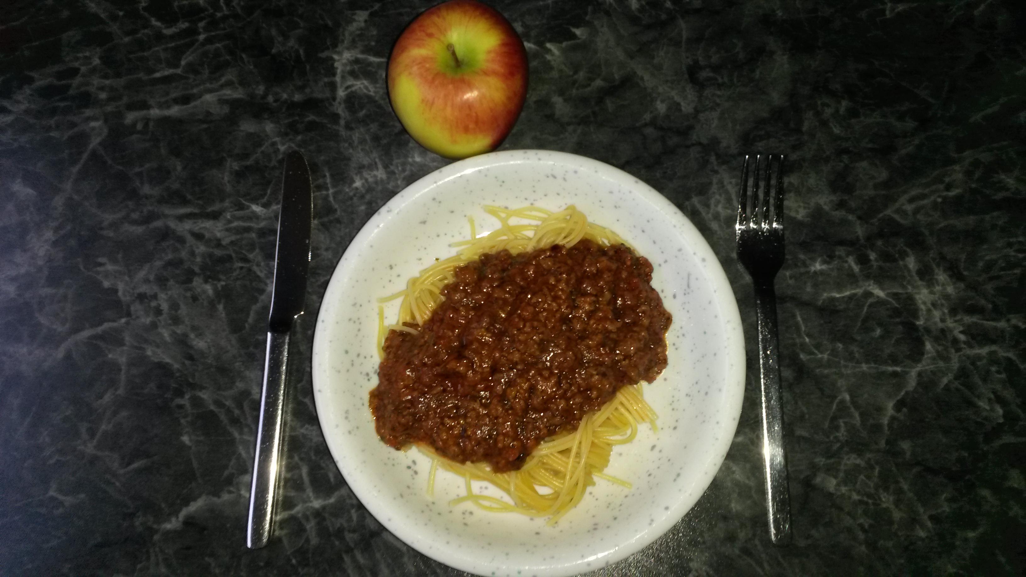 https://foodloader.net/sk0r_2014-08-08_Spaghetti_Bolognese_und_Braeburn.jpg