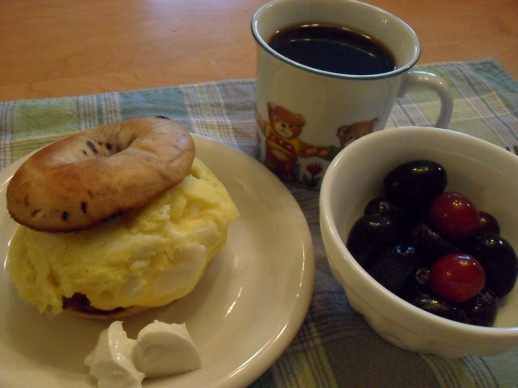 sweetie • 2013-09-10 • blueberry bagel, scrambled eggs, cream cheese, coffee, grapes