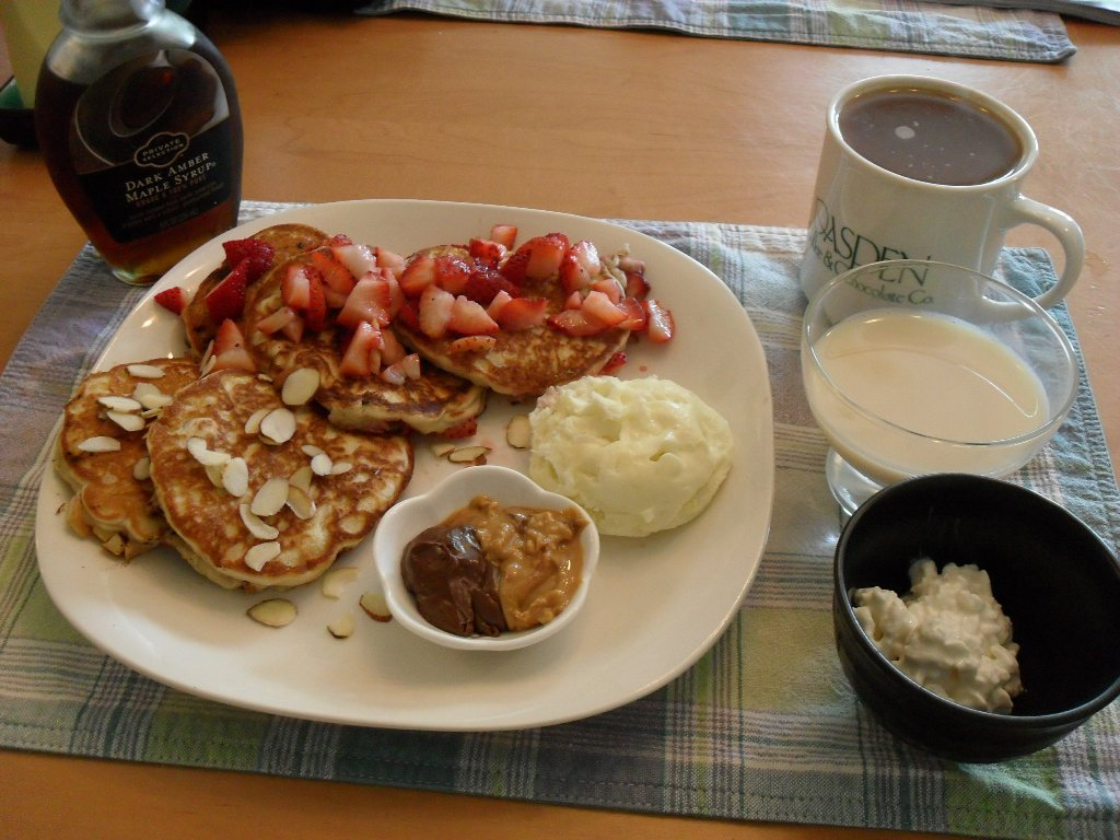 sweetie • 2013-09-18 • maple syrup, pancakes, strawberries, apples, nutella, pb, cottage cheese