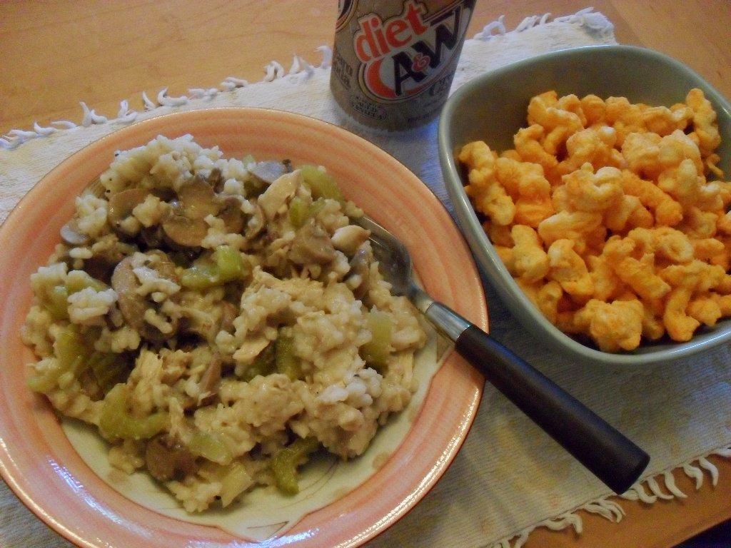 http://foodloader.net/sweetie_2013-09-23_risotto__chicken__mushrooms__celery__diet_cream_soda__cheddar_corn_puffs.jpg