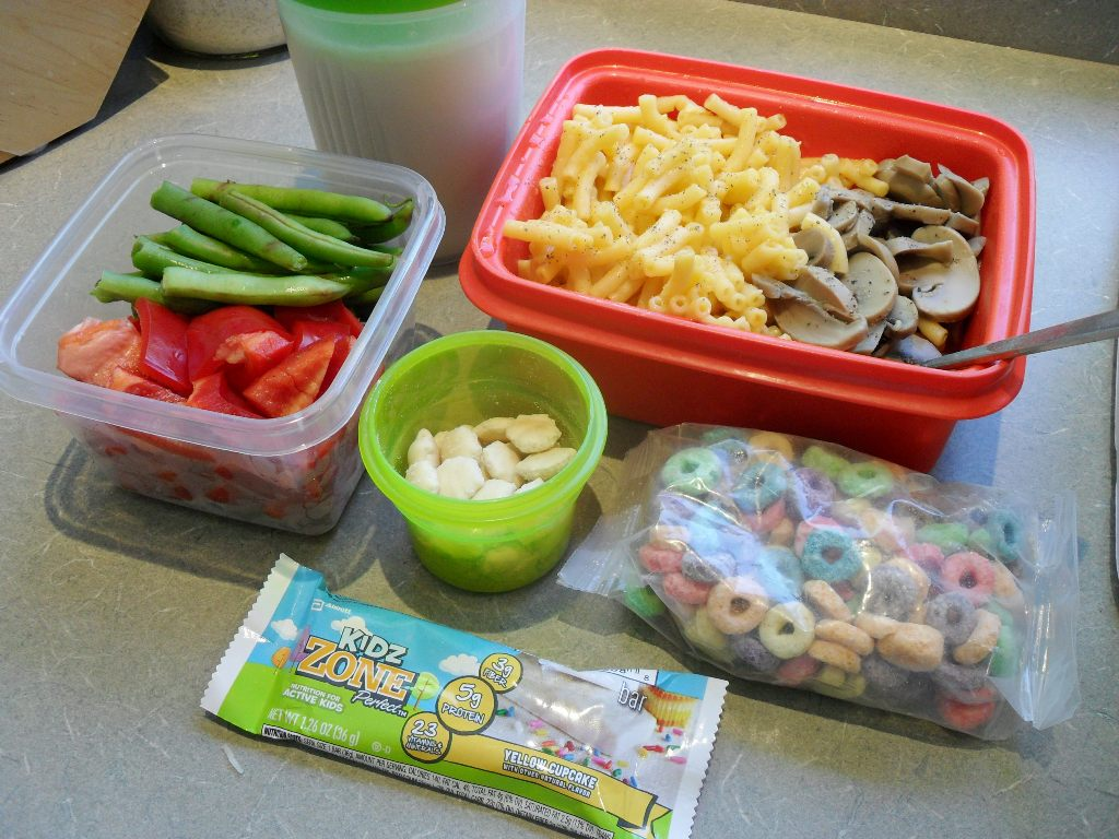http://foodloader.net/sweetie_2013-09-28_shake__vegetables__mac_&_cheese__mushrooms__crackers__cereal__zbar.jpg