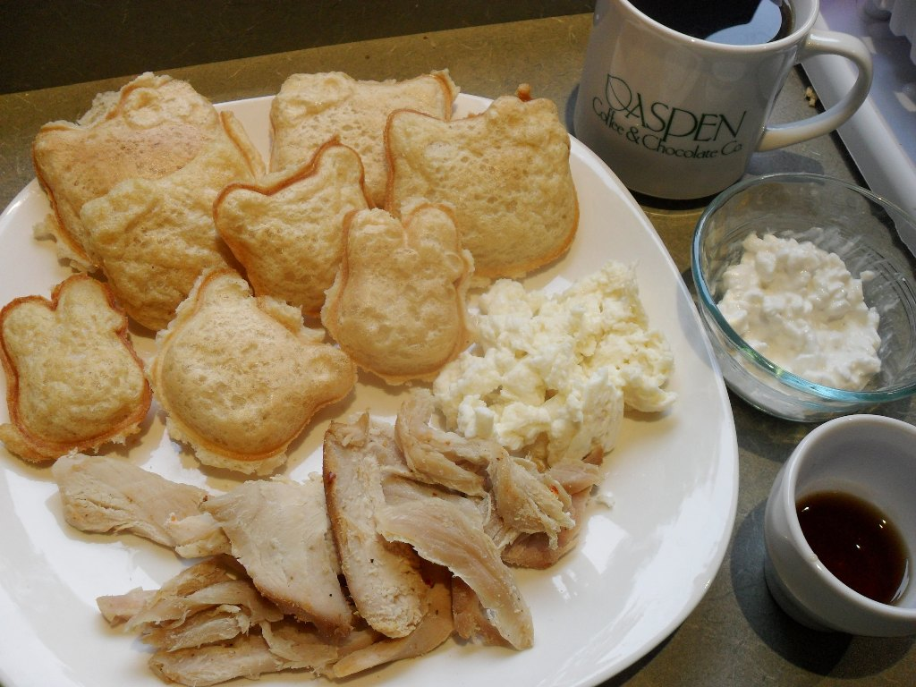 http://foodloader.net/sweetie_2013-10-11_hello_kitty_waffles__coffee__eggs__turkey__cottage_cheese__maple_syrup.jpg