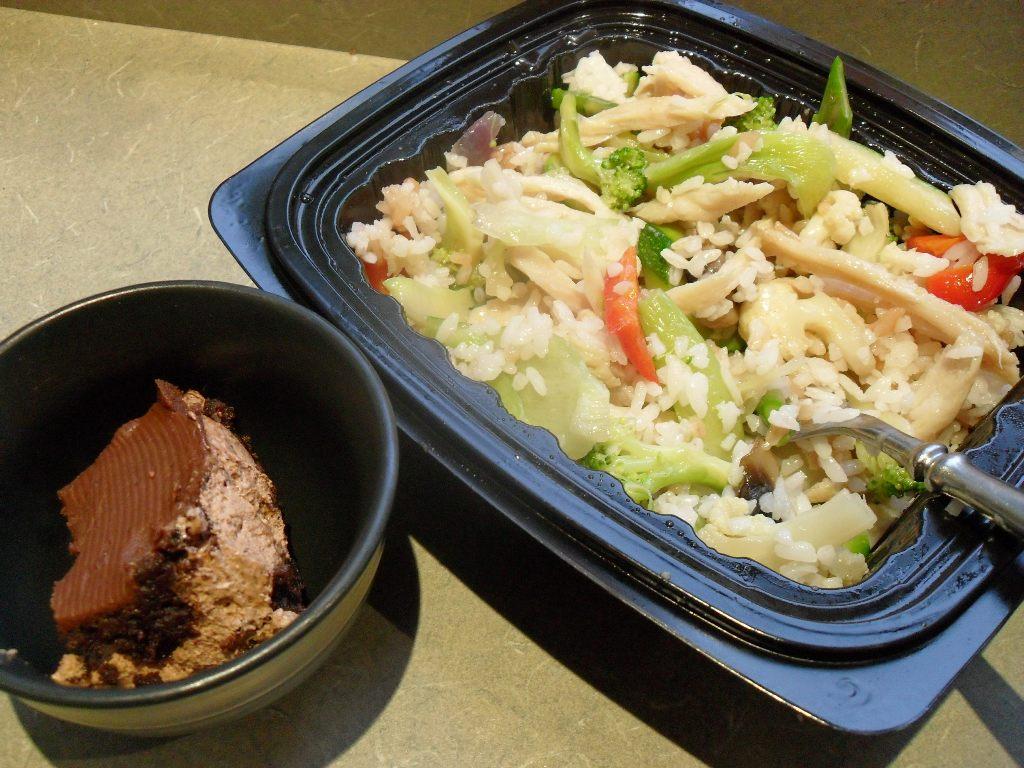 https://foodloader.net/sweetie_2013-10-15_quadruple_chocolate_cake__chicken_stir_fry__vegetables__rice.jpg