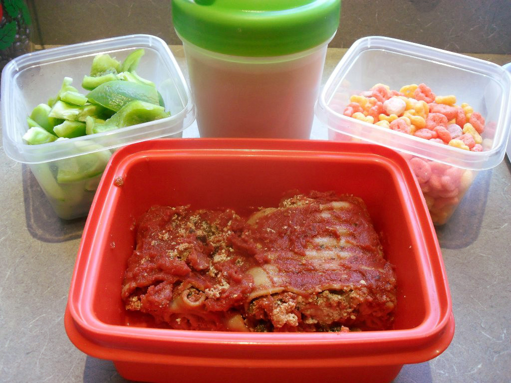 https://foodloader.net/sweetie_2013-10-24_bell_pepper__protein_shake__yummy_mummy_cereal__spinach_lasagna_roll_ups.jpg