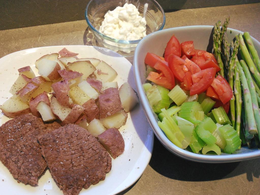https://foodloader.net/sweetie_2013-11-05_cottage_cheese__potatoes__cube_steak__tomatoes__asparagus__celery.jpg