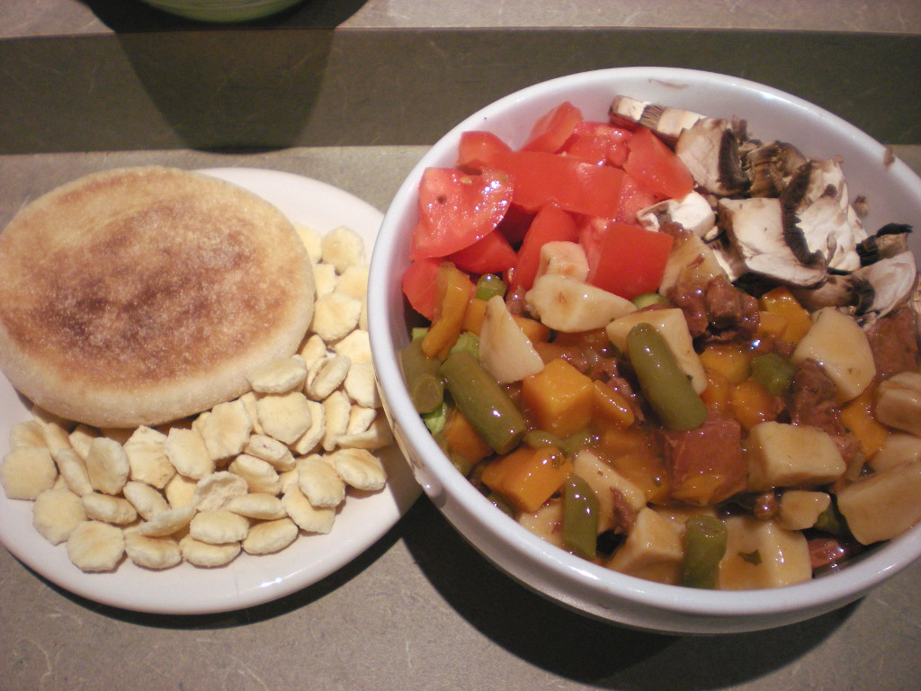 sweetie • 2013-11-07 • english muffin, oyster crackers, beef stew, tomatoes, mushrooms, greenbeans