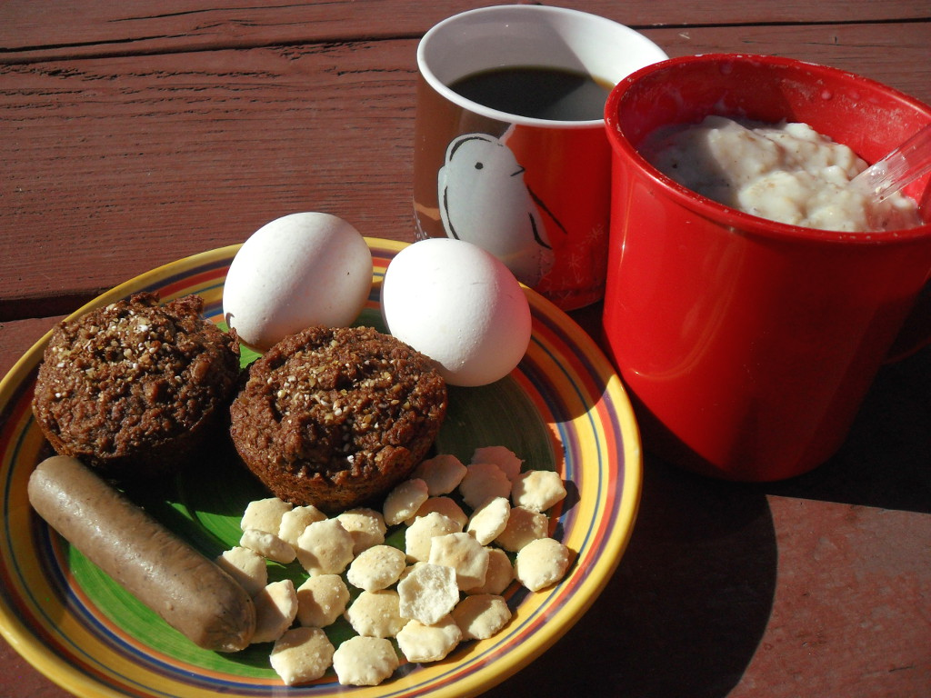 https://foodloader.net/sweetie_2013-11-13_coffee__oatmeal__eggs__homemade_bran_muffins__sausage__oyster_crackers.jpg
