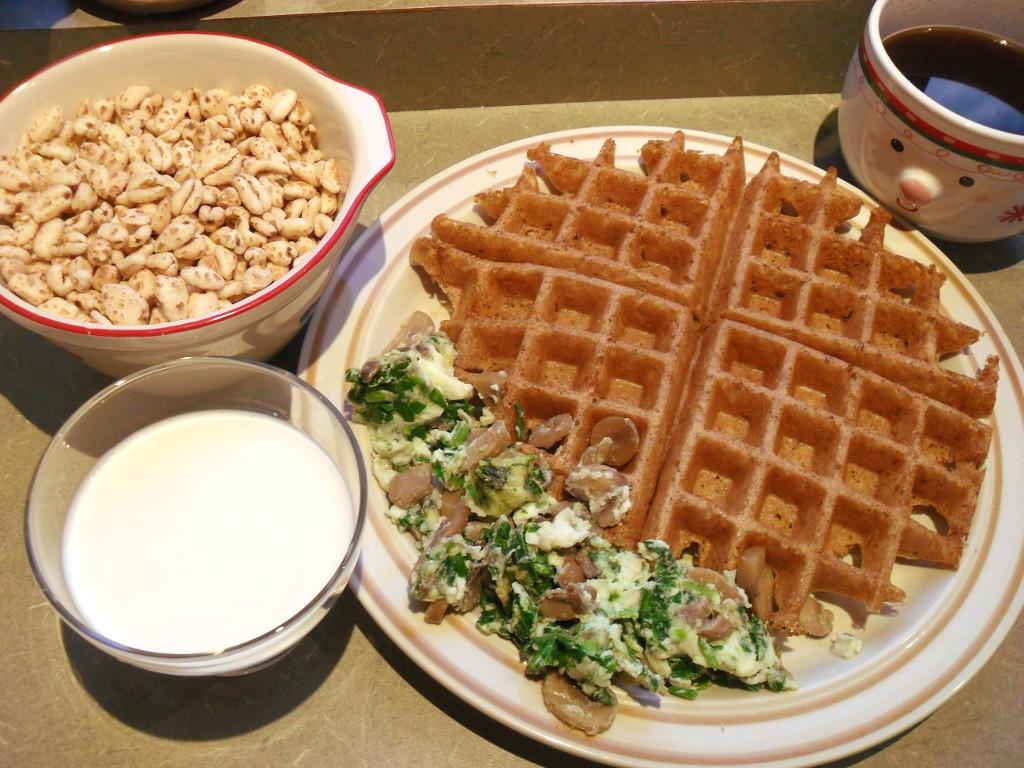 https://foodloader.net/sweetie_2013-11-16_cereal__oatbran_belgian_waffle__coffee__goat_milk__eggs__spinach__mushrooms.jpg