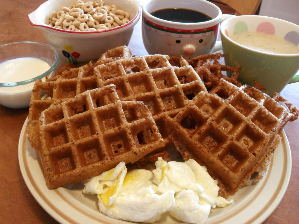 https://foodloader.net/sweetie_2013-11-24_goat_milk__cheerios__grits__coffee__cocoa_cinnamon_waffles__eggs.jpg