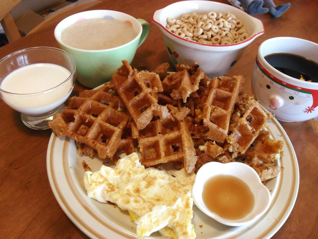 https://foodloader.net/sweetie_2013-11-25_milk__oatmeal__cheerios__coffee__fail_cornbread_waffles__eggs__maple_syrup.jpg