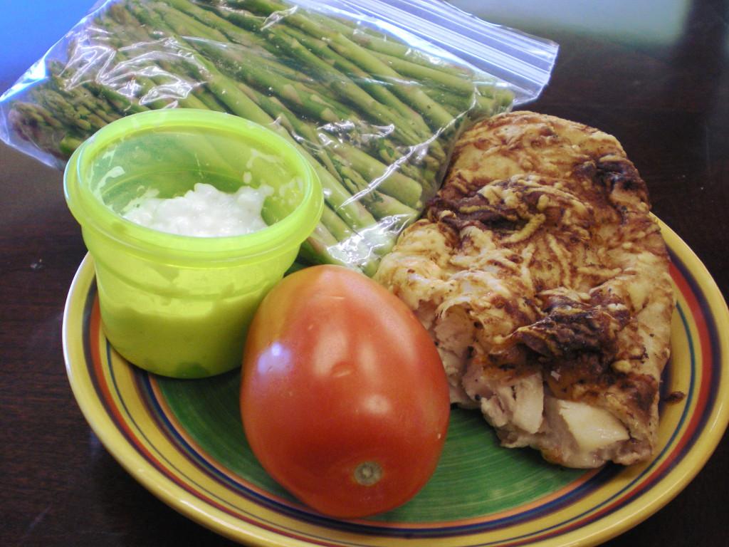 https://foodloader.net/sweetie_2013-11-26_asparagus__cottage_cheese__tomato__costco_chicken_bake.jpg