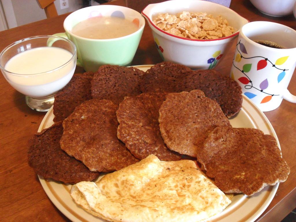 https://foodloader.net/sweetie_2013-11-30_milk__oatmeal__special-k__coffee__chocolate_&_apple_cinnamon_pancakes__eggs.jpg