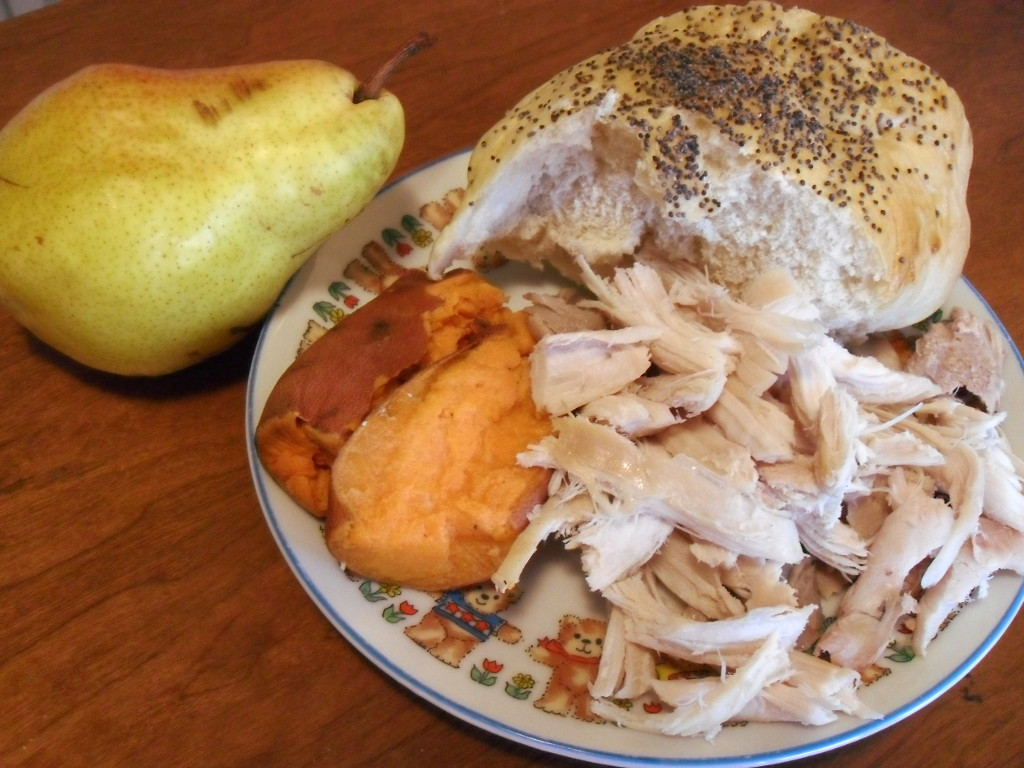 https://foodloader.net/sweetie_2013-12-01_bartlet_pear__homemade_poppyseed_bread__sweet_potato__turkey_FOR_REALS.jpg