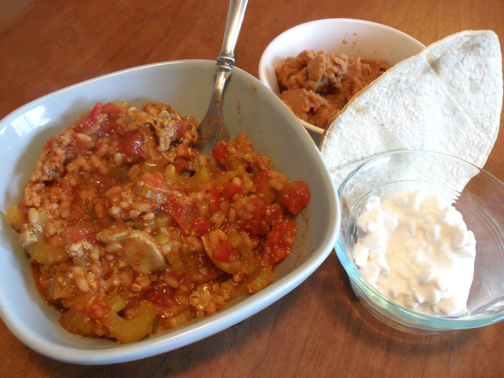 http://foodloader.net/sweetie_2013-12-06_rice__chicken__tomatoes__celery__refried_beans__tortilla__cottage_cheese.jpg