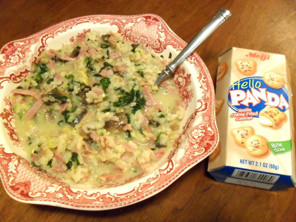 https://foodloader.net/sweetie_2013-12-08_cheese_sauce__rice__ham__spinach__mushrooms__zucchini__hello_panda_cookies.jpg