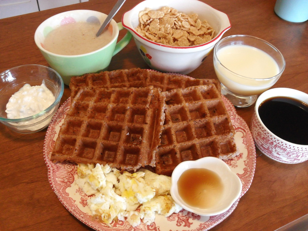 https://foodloader.net/sweetie_2013-12-08_cottage_cheese__oatmeal__special-k__coffee__milk__raspberry_waffles__eggs.jpg