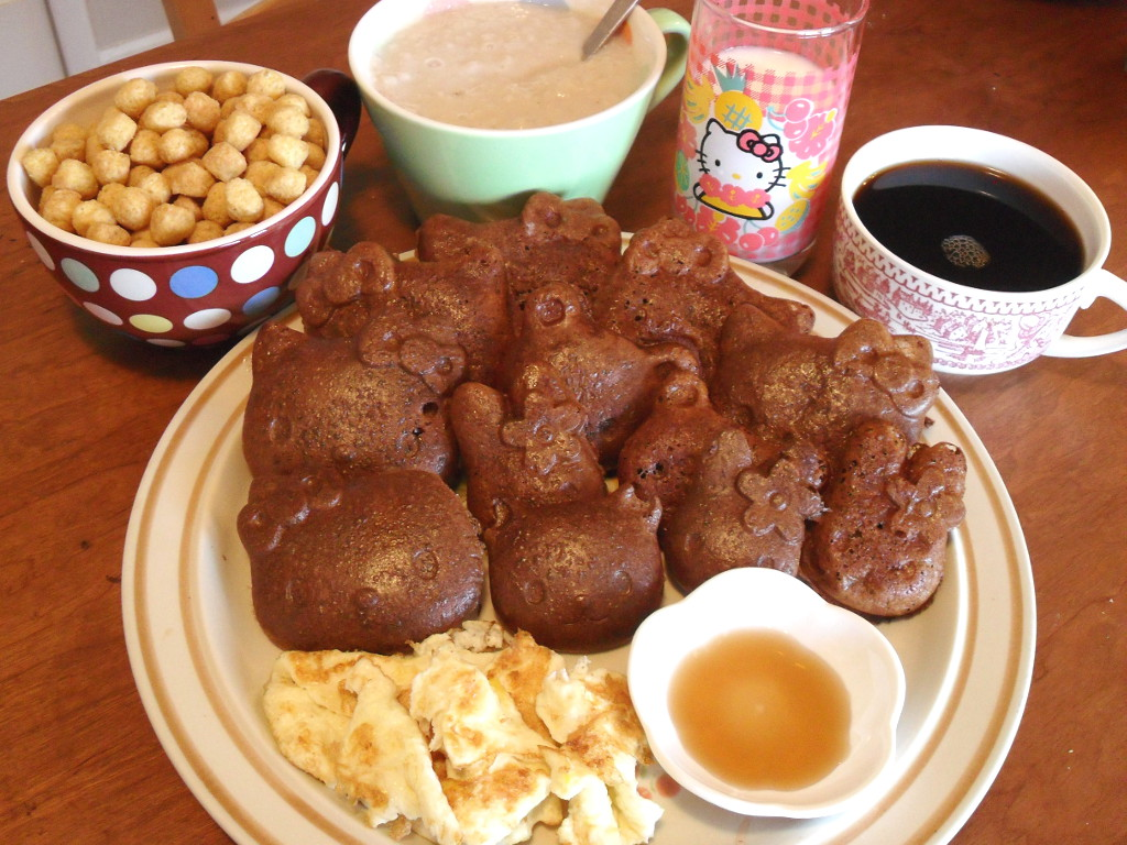 https://foodloader.net/sweetie_2013-12-09_pb_capn_crunch__oatmeal__goat_milk__coffee__chocolate_waffles__eggs__syrup.jpg