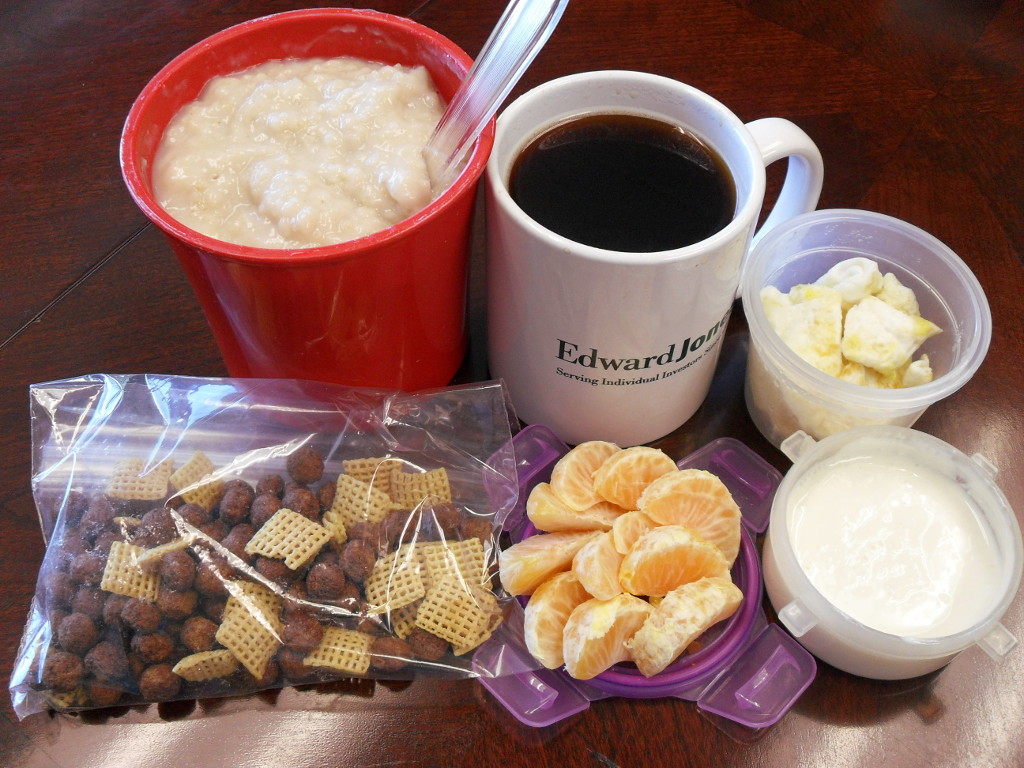http://foodloader.net/sweetie_2013-12-10_oatmeal__coffee__eggs__cocoa_puffs__corn_chex__clementine__greek_yogurt.jpg