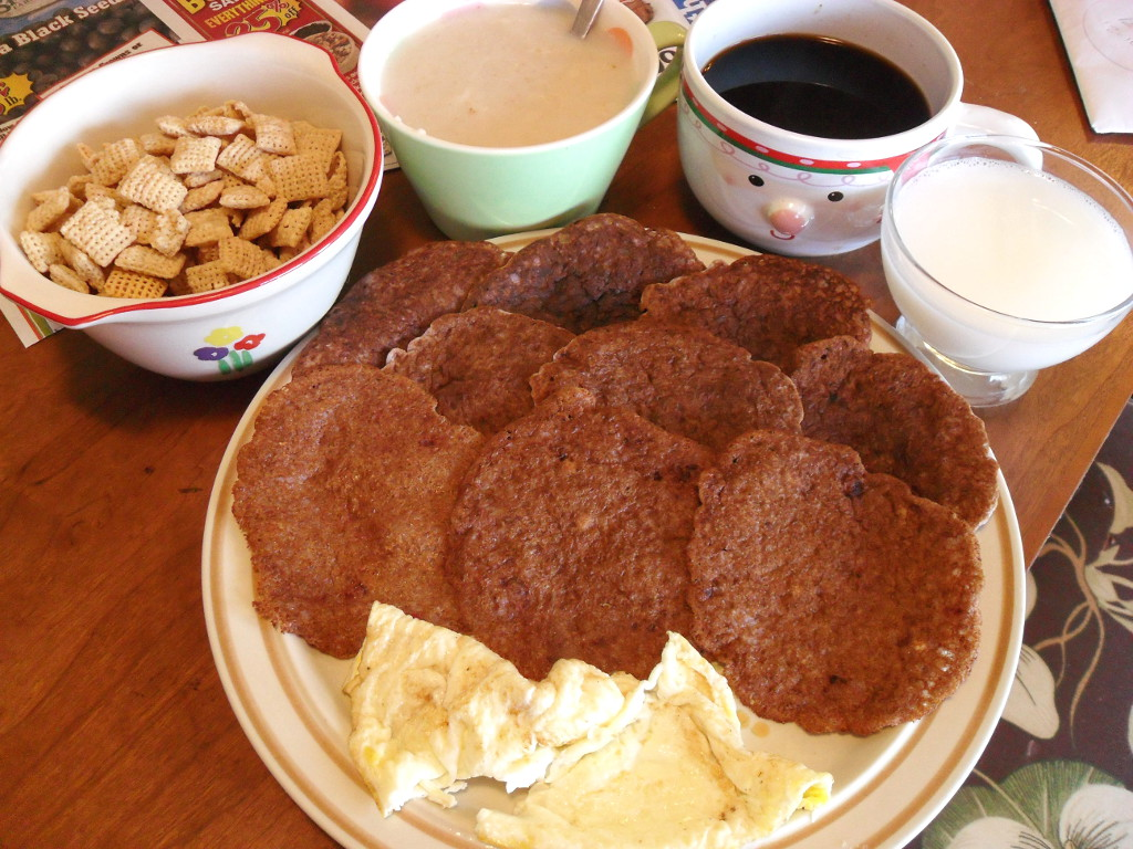 https://foodloader.net/sweetie_2013-12-11_rice_chex__oatmeal__coffee__goat_milk__raspberry_pancakes__eggs.jpg