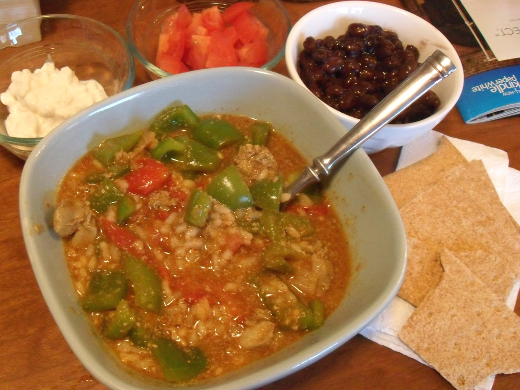 https://foodloader.net/sweetie_2013-12-14_cottage_cheese__tomato__beans__rice__chicken_liver__bell_pepper__crackers.jpg