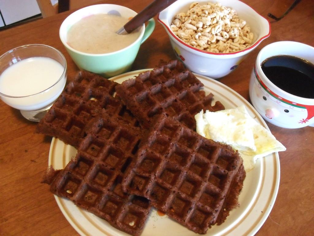 https://foodloader.net/sweetie_2013-12-14_goat_milk__oatmeal__puffed_wheat_cereal__coffee__chocolate_waffle__eggs.jpg