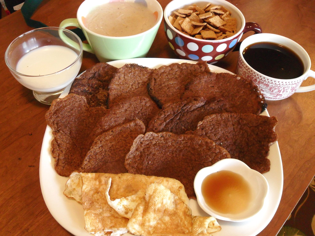 http://foodloader.net/sweetie_2013-12-19_milk__oatmeal__golden_grahams__coffee__chocolate_crepes__eggs__maple_syrup.jpg