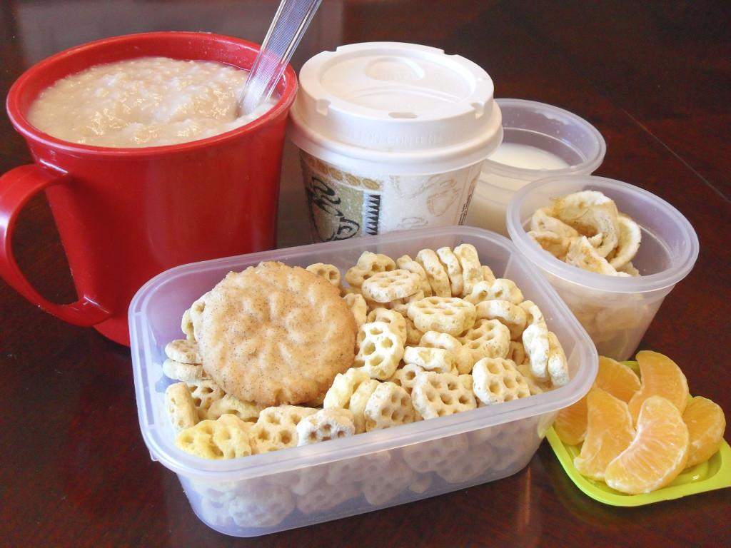 https://foodloader.net/sweetie_2013-12-23_oatmeal__coffee__milk__eggs__snickerdoodle__honeycomb_cereal__clementines.jpg