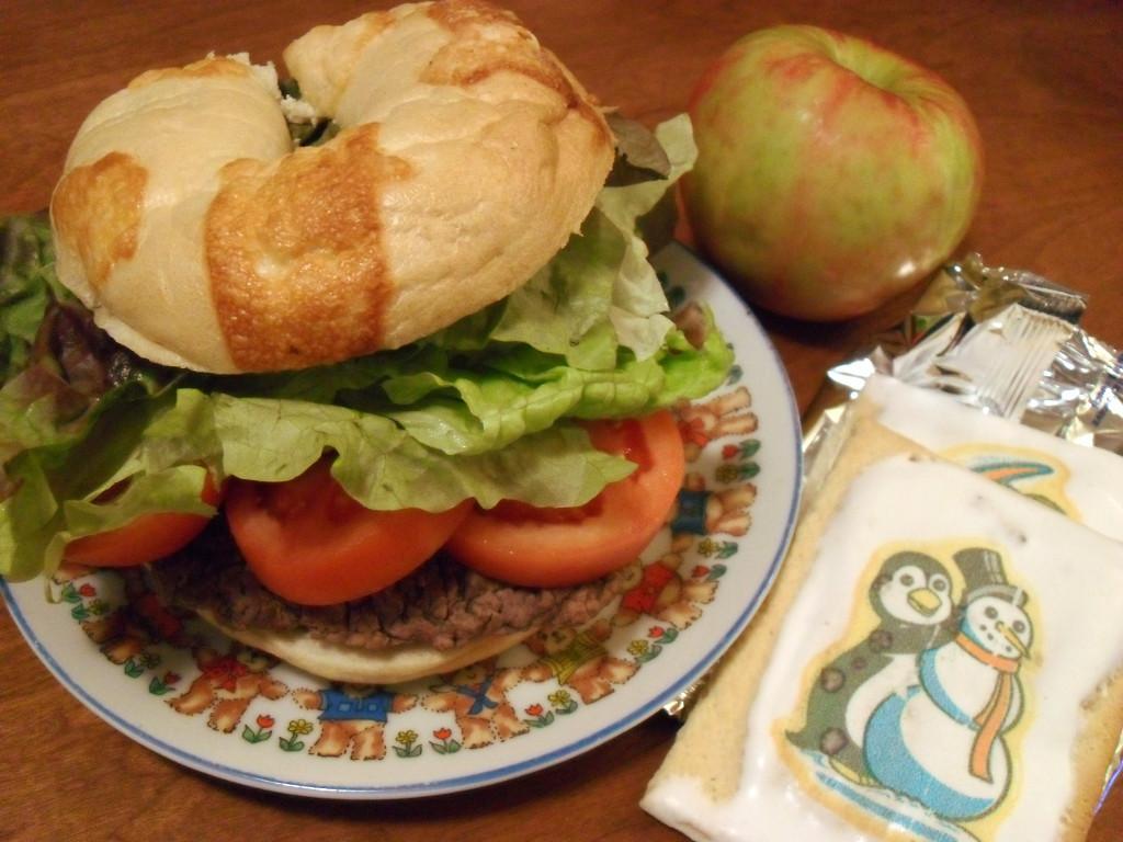 https://foodloader.net/sweetie_2013-12-24_asiago_cheese_bagel__lettuce__tomato__hamburger__apple__cookie_poptarts.jpg