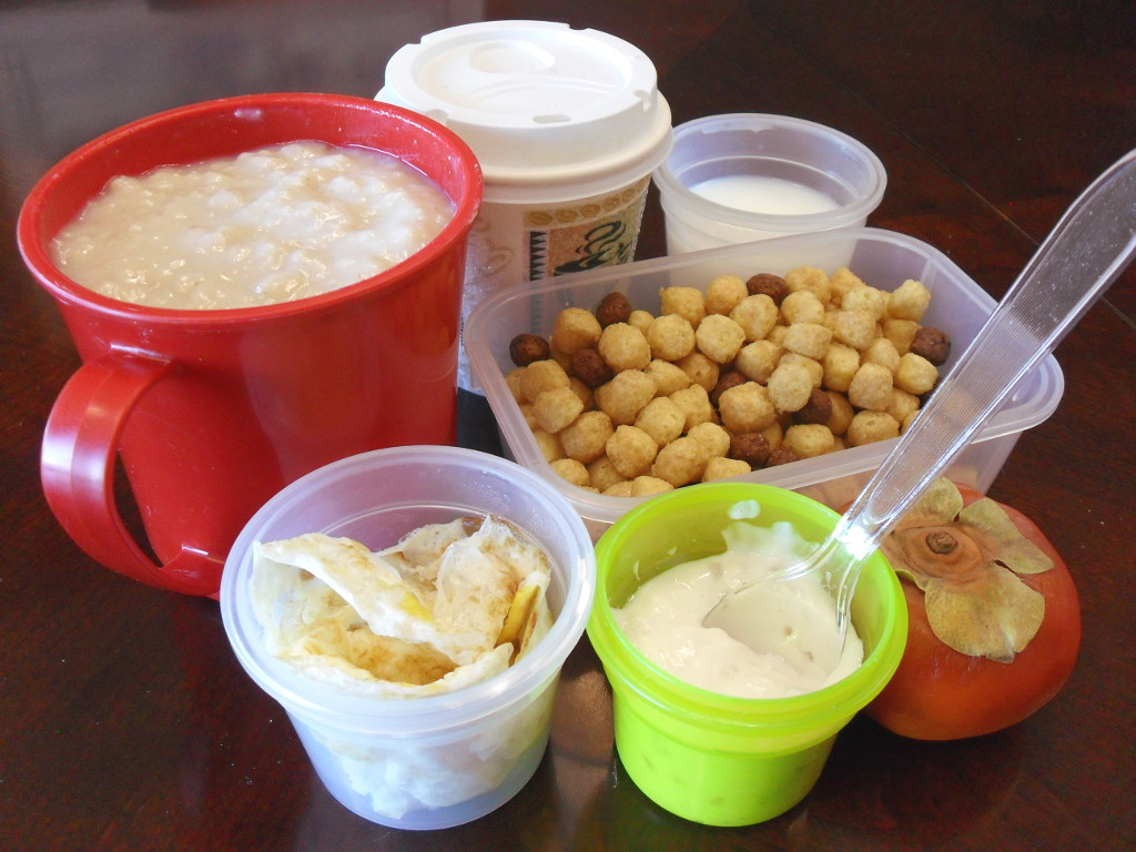 https://foodloader.net/sweetie_2013-12-27_oatmeal__coffee__milk__cap_n_crunch__cocoa_puffs__eggs__yogurt__persimmon.jpg