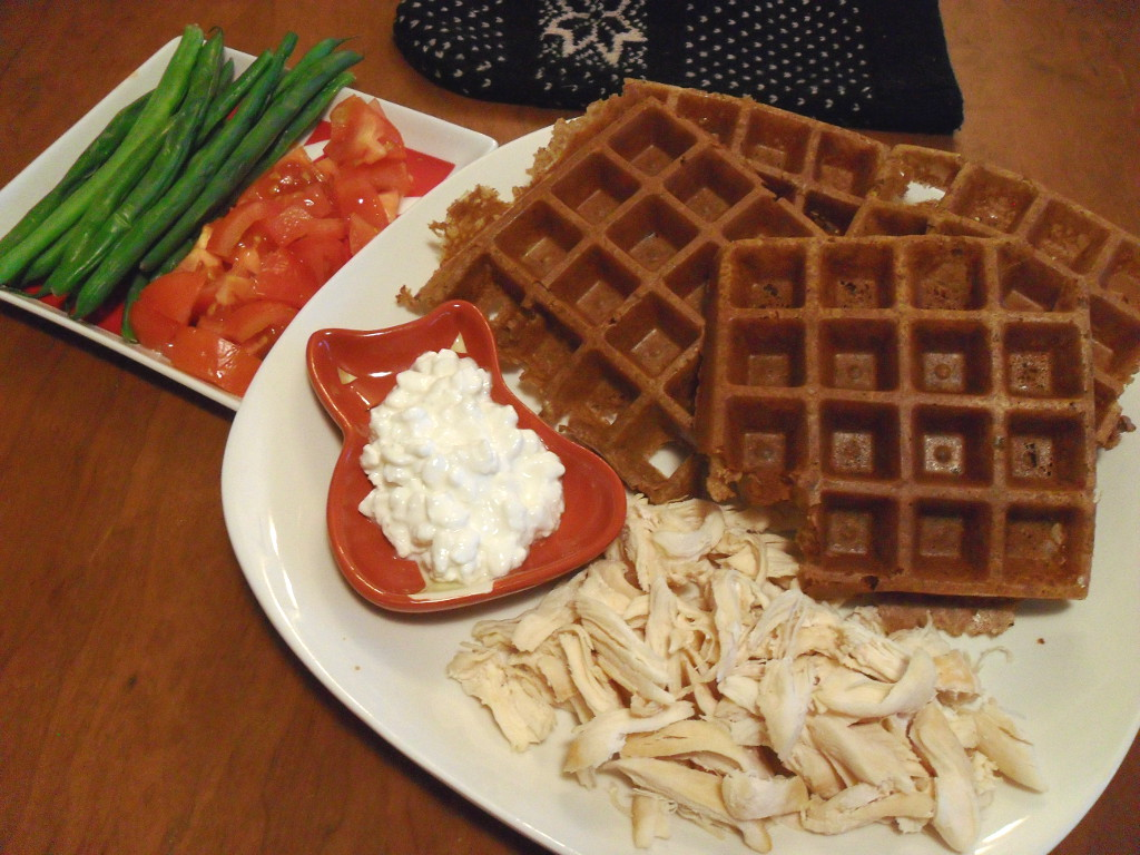 https://foodloader.net/sweetie_2013-12-28_green_beans__tomato__corn_flour_waffle__cottage_cheese__pile_of_chicken.jpg